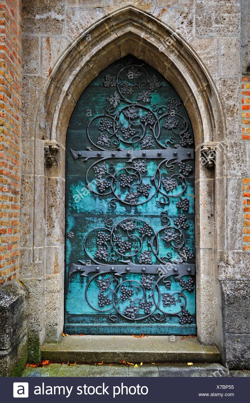 Gothic Doors Stock Photos Amp Gothic Doors Stock Images Alamy