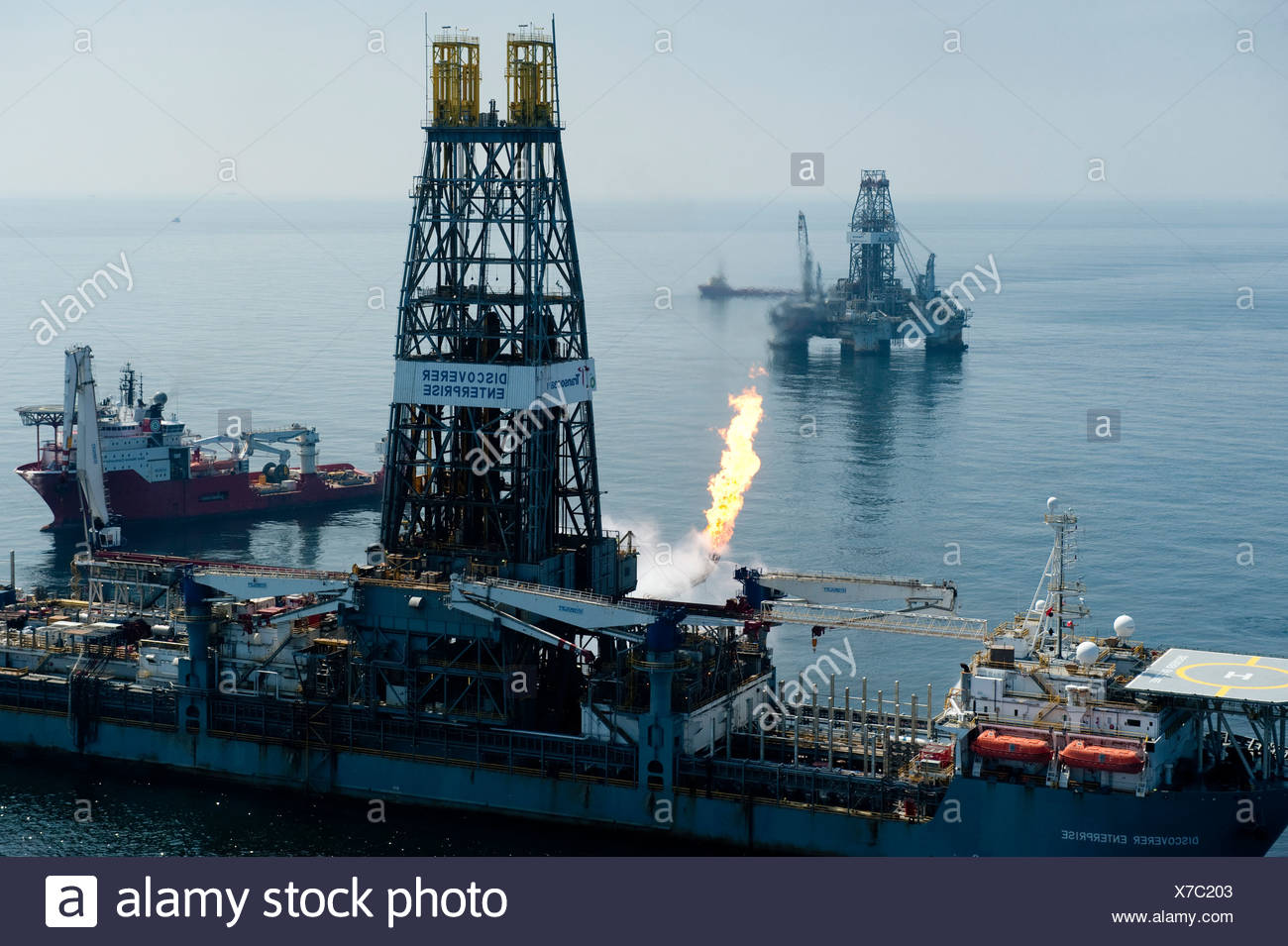 Cleanup crews near the Deepwater Horizon blowout. - Stock Image