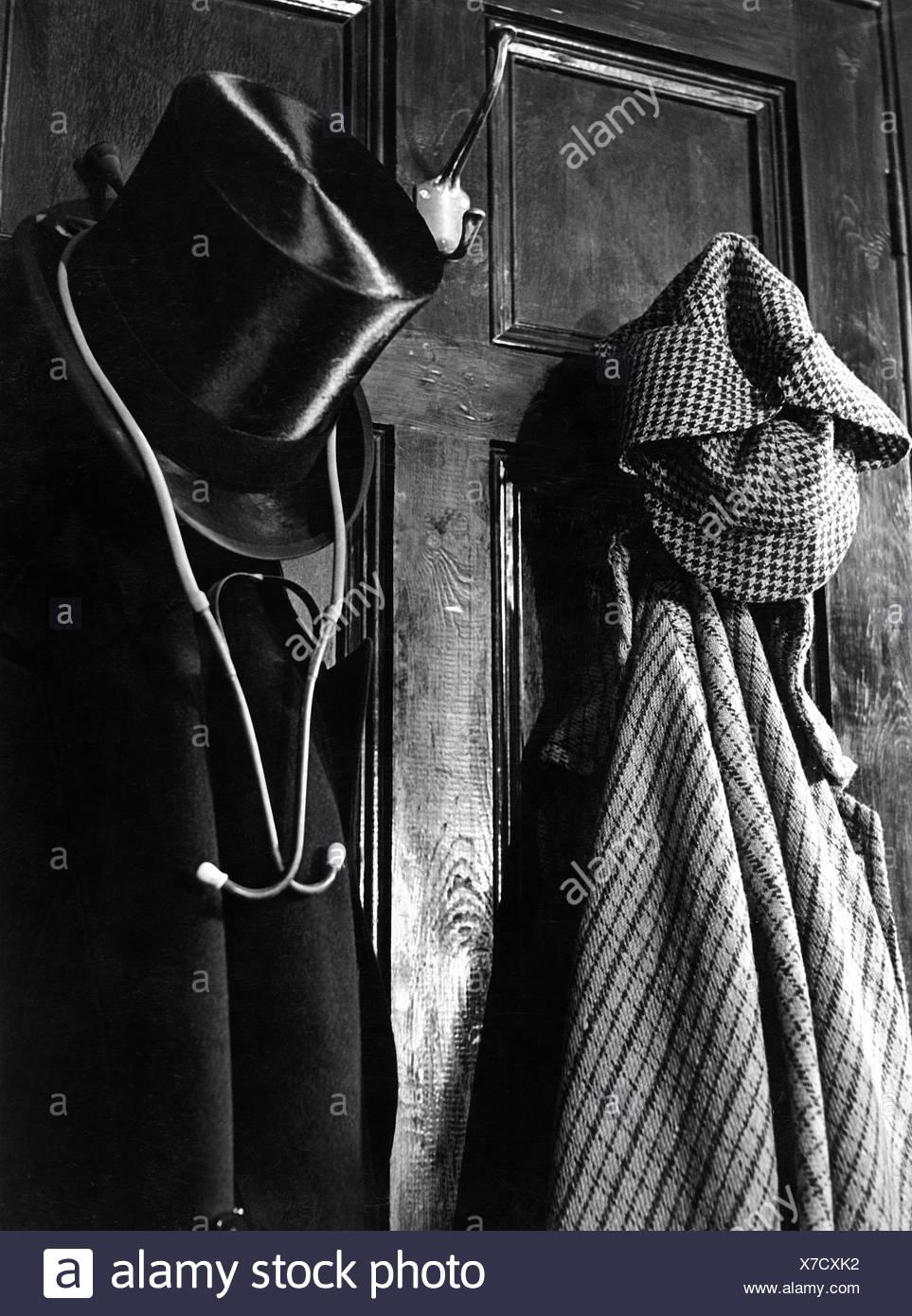 Sherlock Holmes, hero of novel, by Sir Arthur Conan Doyle, garment of Sherlock Holmes and Dr. Watson, Additional-Rights-Clearances-NA - Stock Image