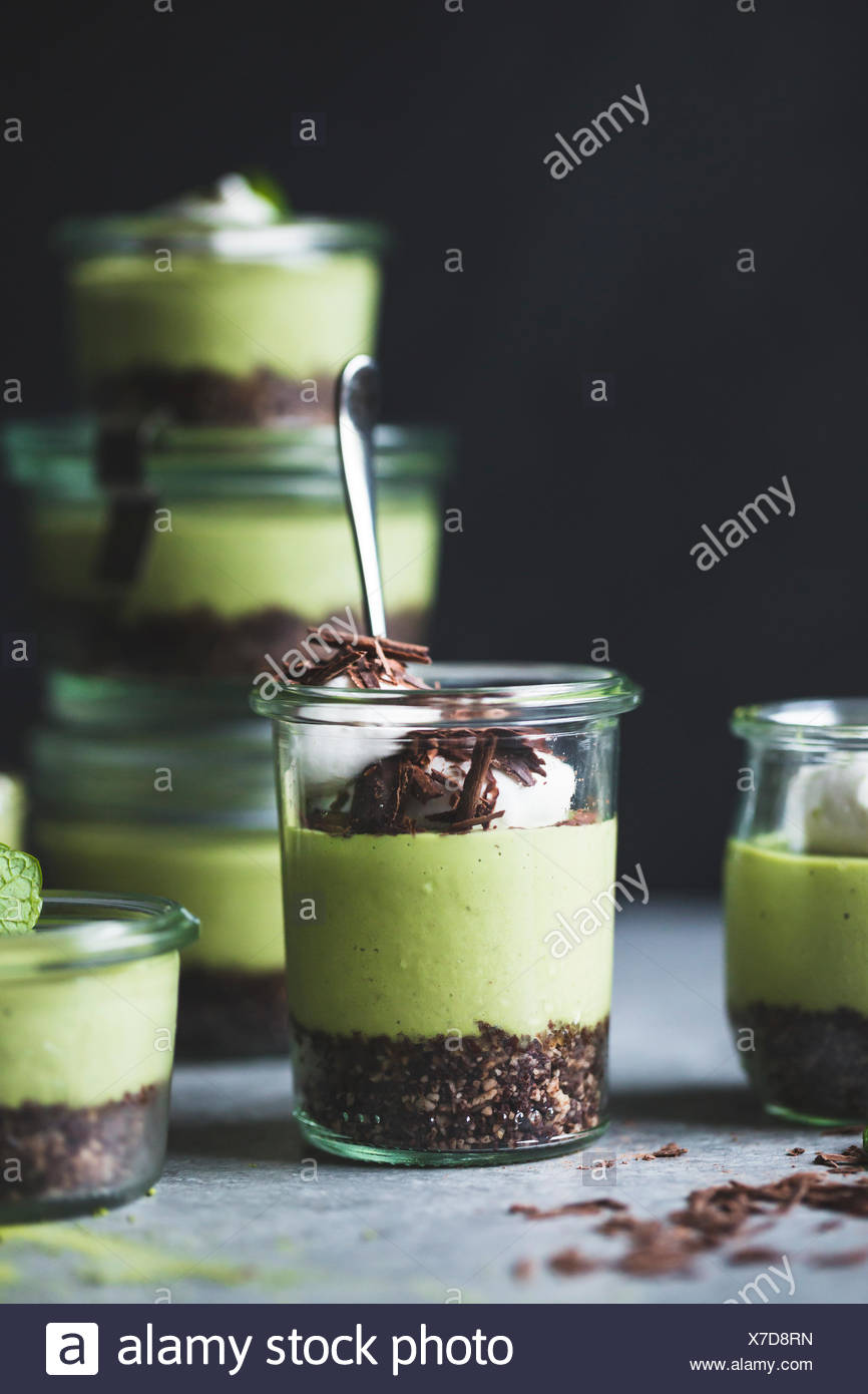 no-bake matcha mint grasshopper pies in jars - Stock Image