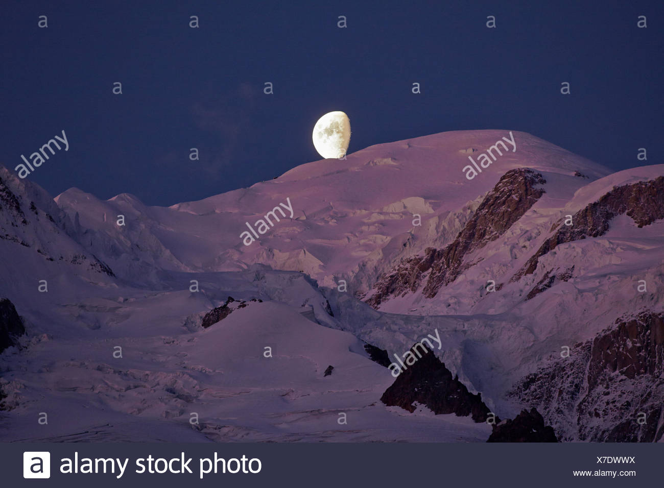 geography / travel, France, Moonset on Mont- Blanc (4810m) at sunrise, Chamonix, Additional-Rights-Clearance-Info-Not-Available - Stock Image