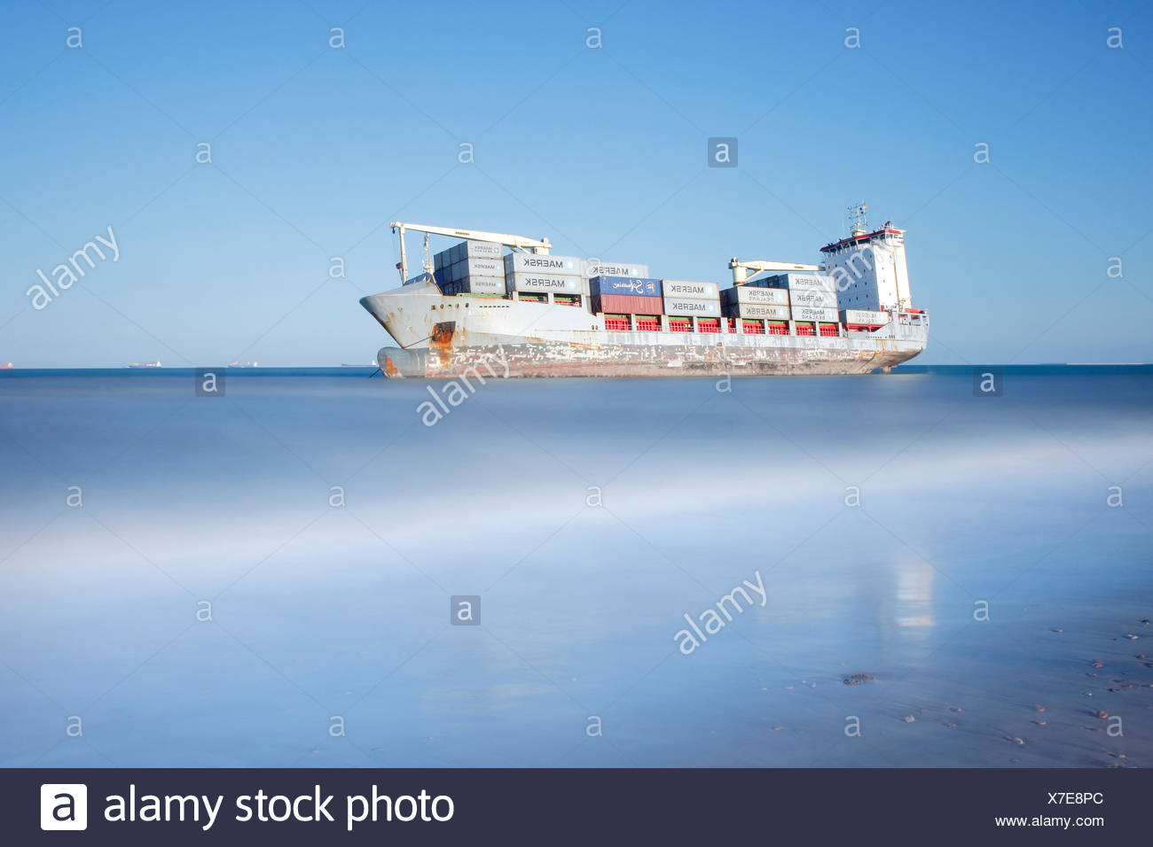 Stranded cargo ship, El Saler Beach, Valencia, Spain. All non-editorial uses must be cleared individually. - Stock Image
