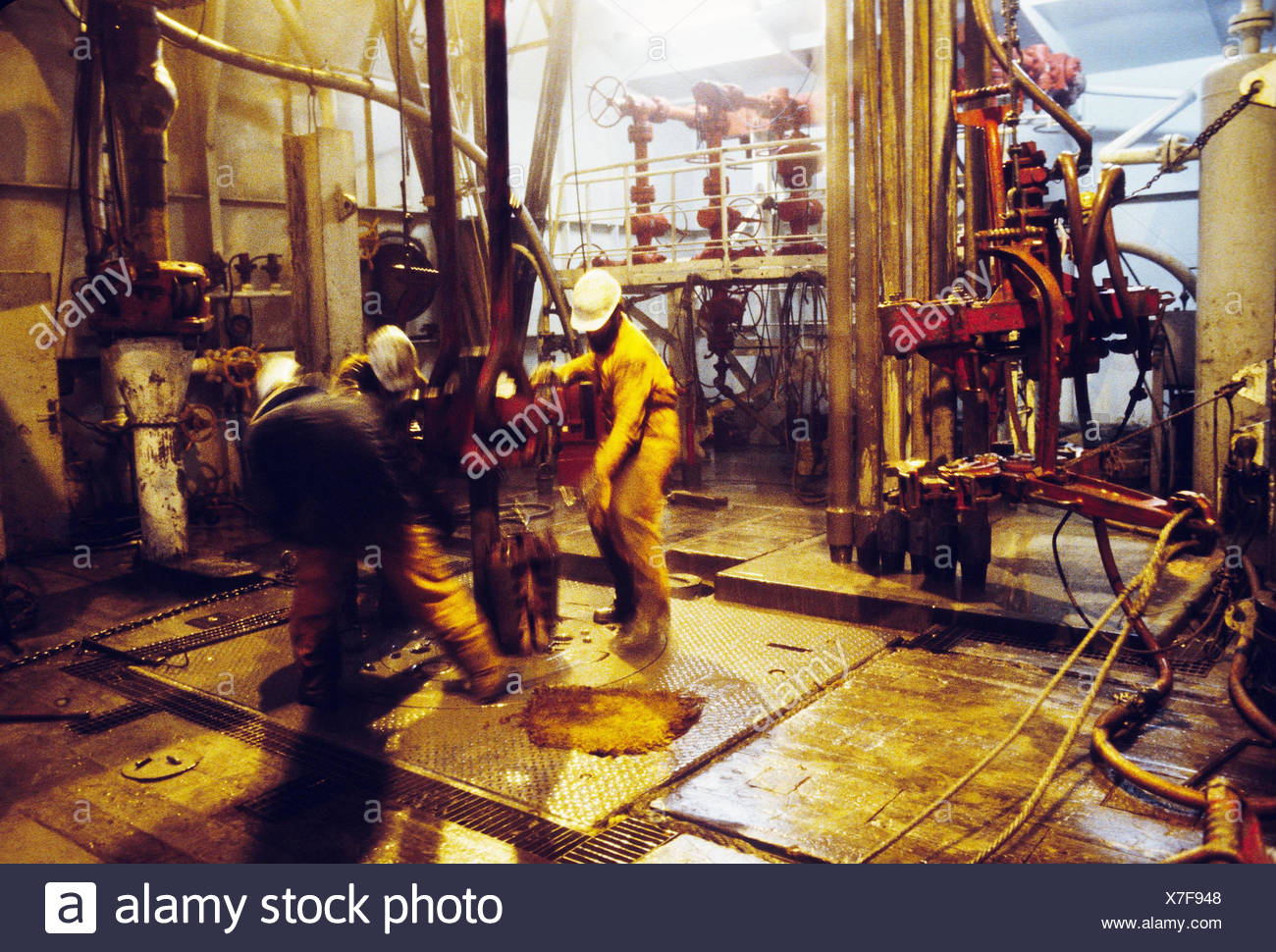 Drilling rig, deck, worker, bit, outside, economy, industry, oil, crude oil, drill pipe, drilling cap, oil industry, sea, work, work, crude oil industry, oil platform, drilling platform, raw material production, Offshoretechnik - Stock Image