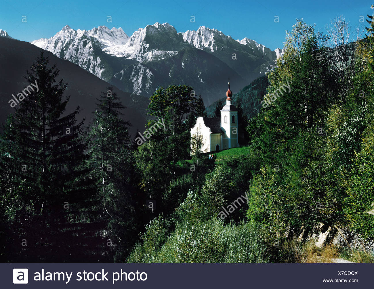 geography / travel, Austria, Tyrol, Prägraten am Grossvenediger, view towards the village, church, Virgen Valley, Maurerberge, Additional-Rights-Clearance-Info-Not-Available - Stock Image