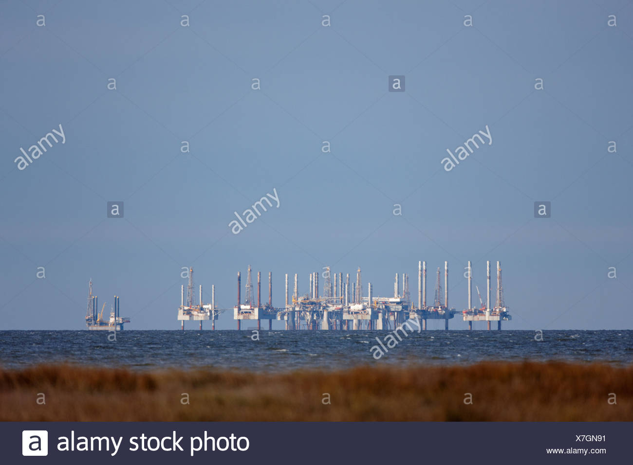 Oil platforms in the Gulf of Mexico, near Cameron, Louisiana. - Stock Image