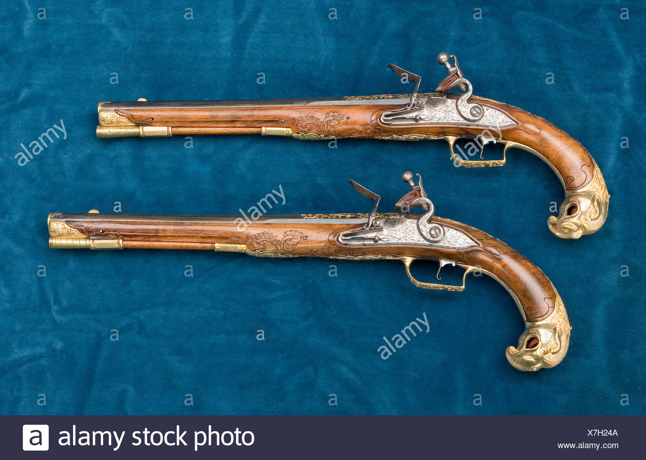 Flintlock Pistols Stock Photos & Flintlock Pistols Stock Images - Alamy