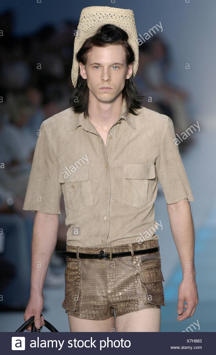 e0f97e0d070 Fendi Ready to Wear Milan spring summer Menswear fashion show Model  shoulder length dark hair wearing