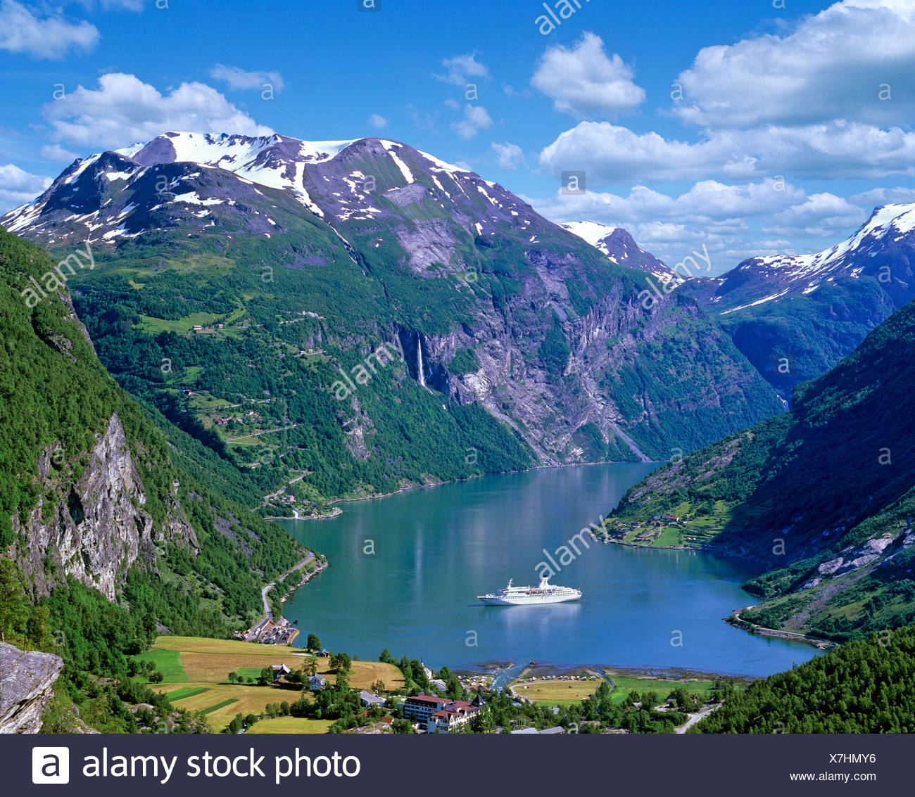 Geiranger, view from Flydalsjuvet, cruise ship in the Geiranger Fjord, Norway - Stock Image