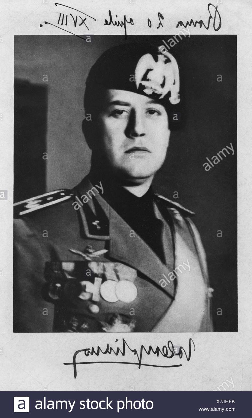 Ciano Conte di Cortellazzo, Galeazzo, 18.3.1903  - 11.1.1944, Italian politician (PNF), Secretary of Foreign Affairs 9.6.1936 - 5.2.1943, portrait, photograph with dedication, 22.4.1940, count, politica, Italy, fascism, uniform, 20th century, , Additional-Rights-Clearances-NA - Stock Image