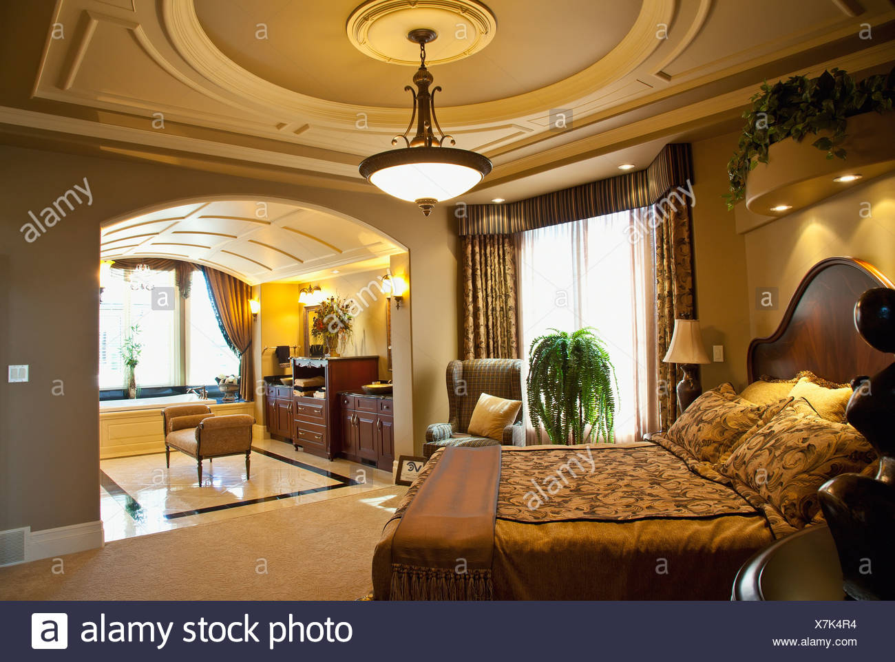 Luxurious Estate Home Master Bedroom And Ensuite; St. Albert ...