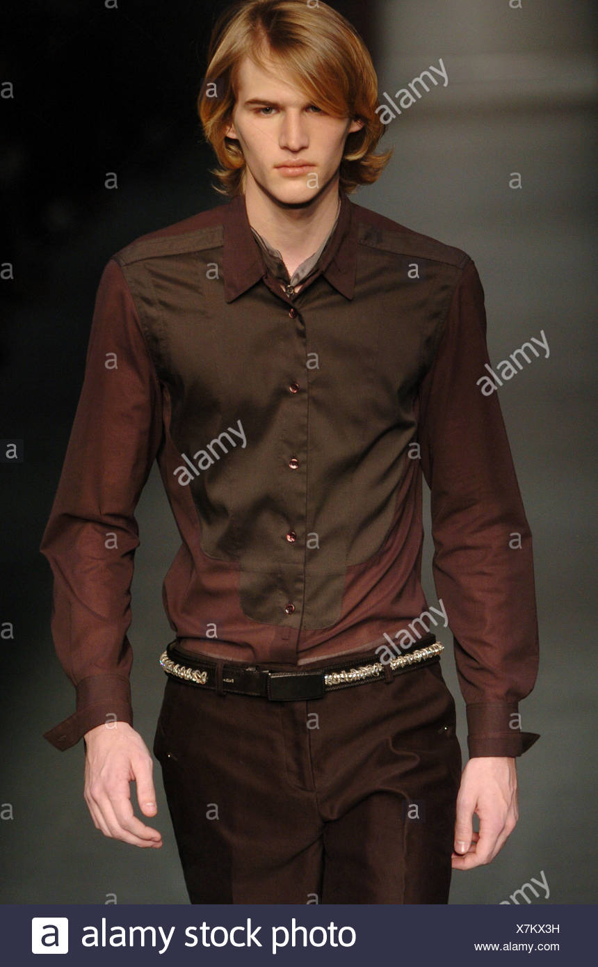 c89e704ec Calvin Klein Milan Menswear Ready to Wear Autumn Winter Brown fitted shirt  and trousers - Stock