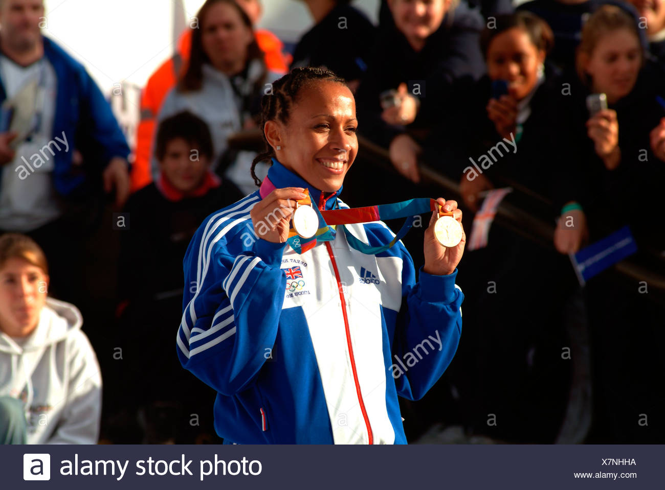 images Kelly Holmes 3 Olympic medals in middle distance running