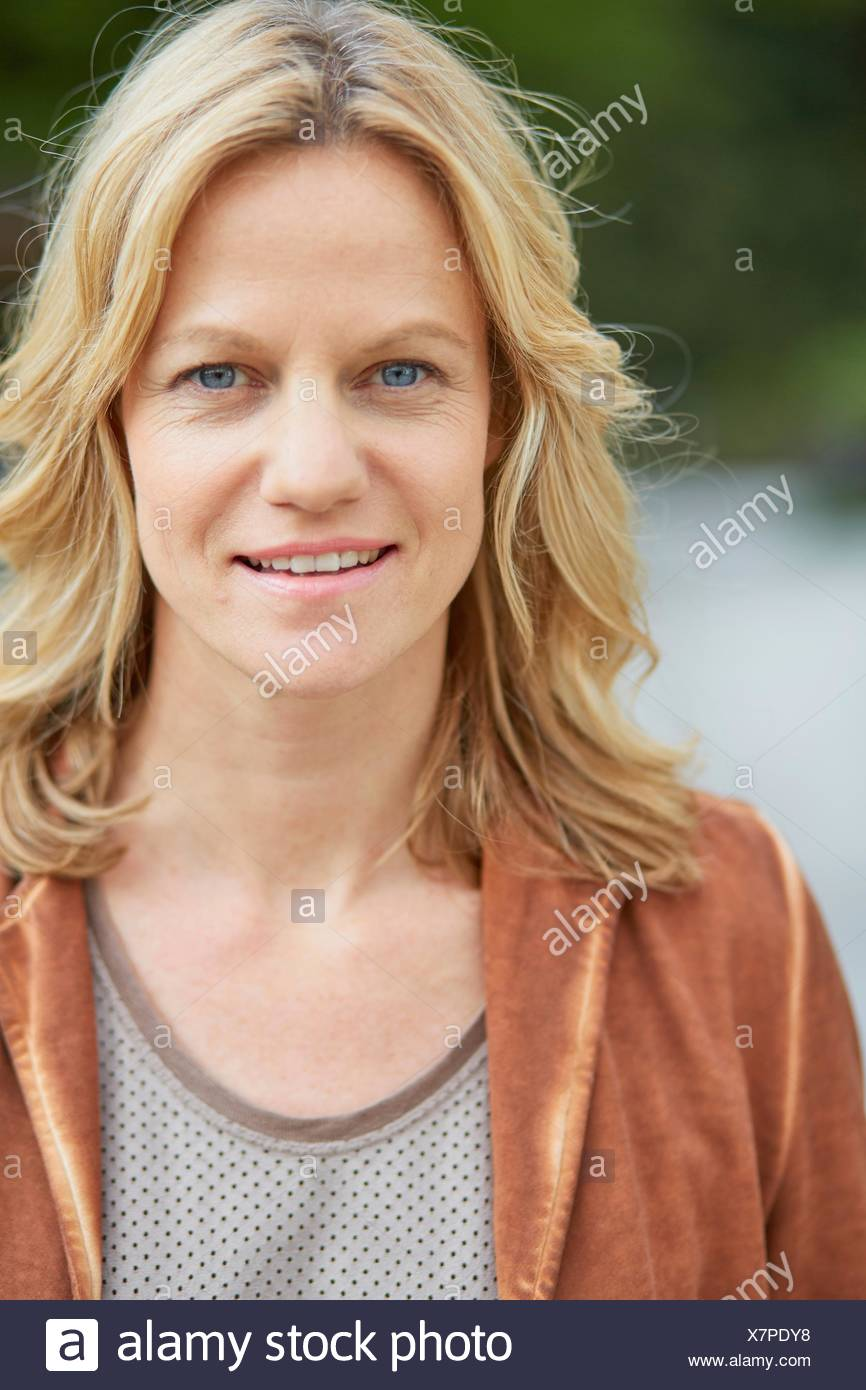 Portrait of mature woman - Stock Image