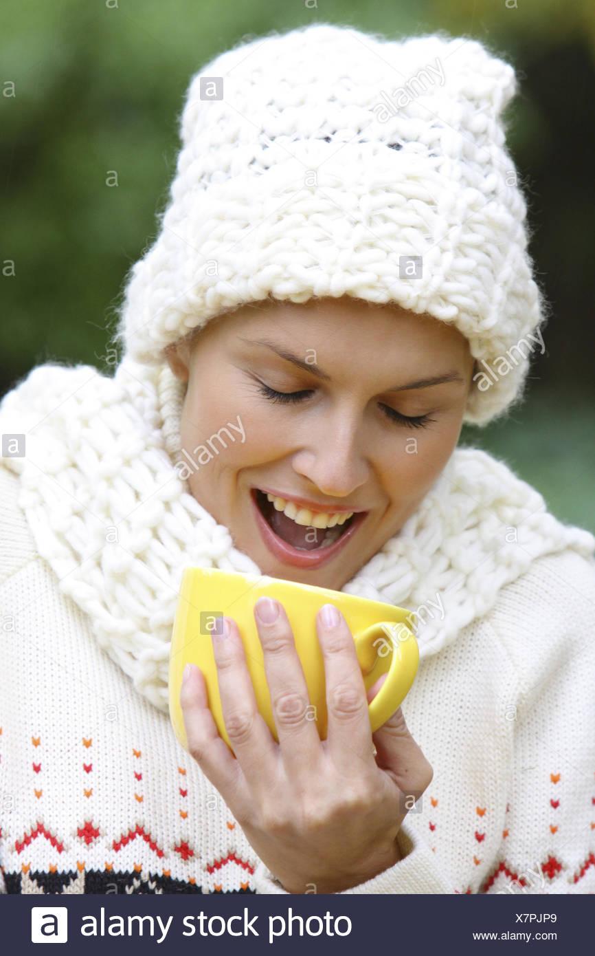Frau, ausgelassen, jung, 20-30 Jahre, lachen, lachend, Freude, Spass, froehlich, Vergnuegen, Humor, gluecklich, Zufriedenheit, t Stock Photo