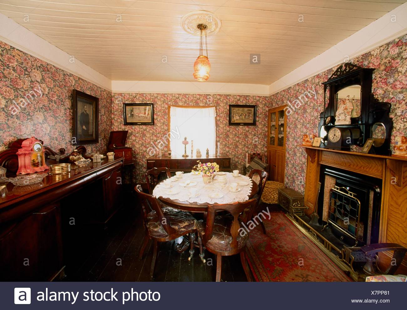 Bunratty Folk Park, Co Clare, Ireland; Traditional Cottage - Stock Image