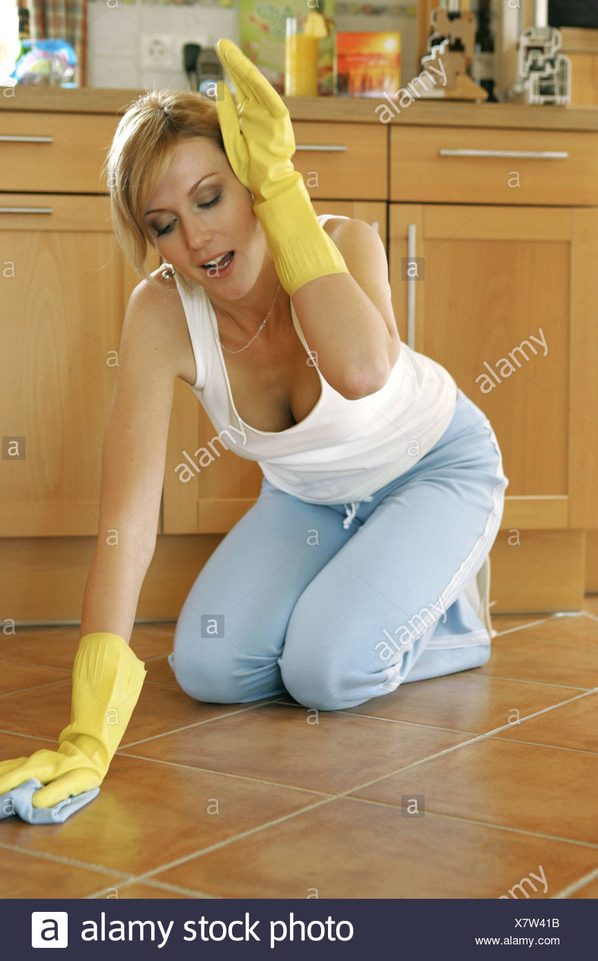 Hausarbeit frau nackt Stvid Tube