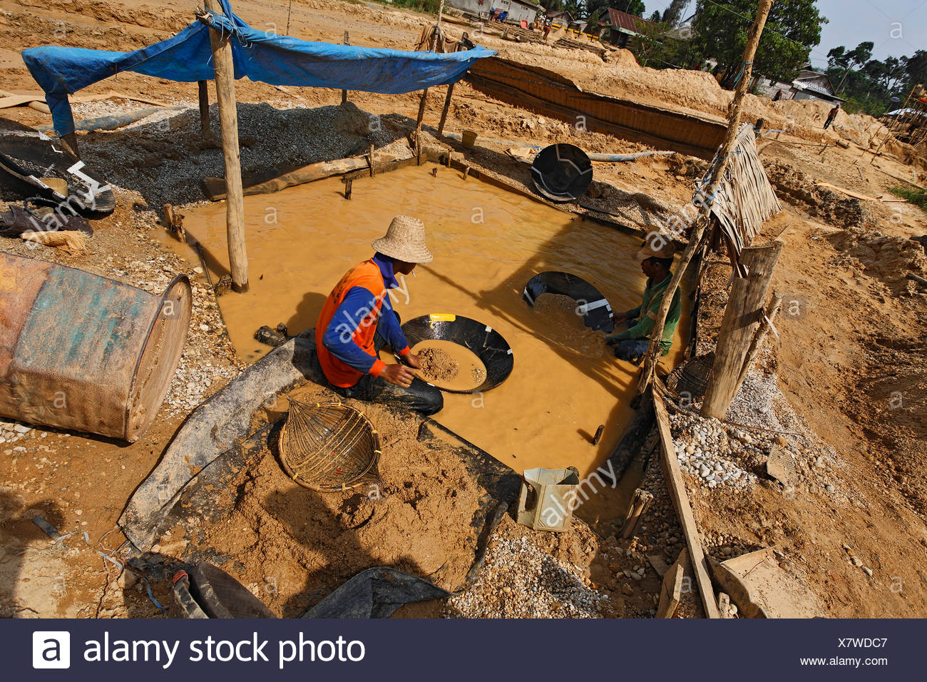 Gold digger, diamond mine, Cempaka, South Kalimantan, Borneo, Indonesia, South-East Asia - Stock Image