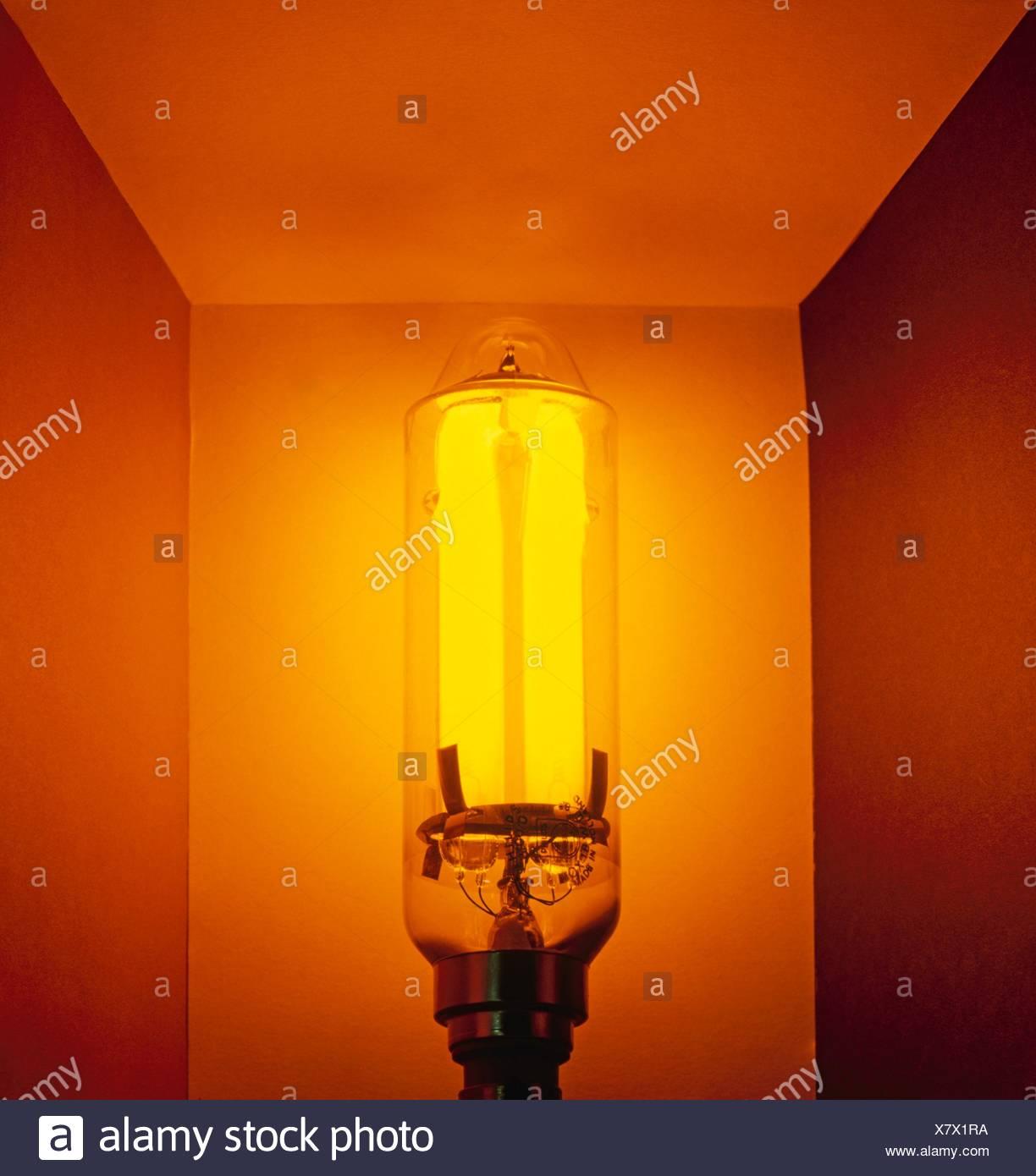 Low Pressure Sodium Lamp (LPS