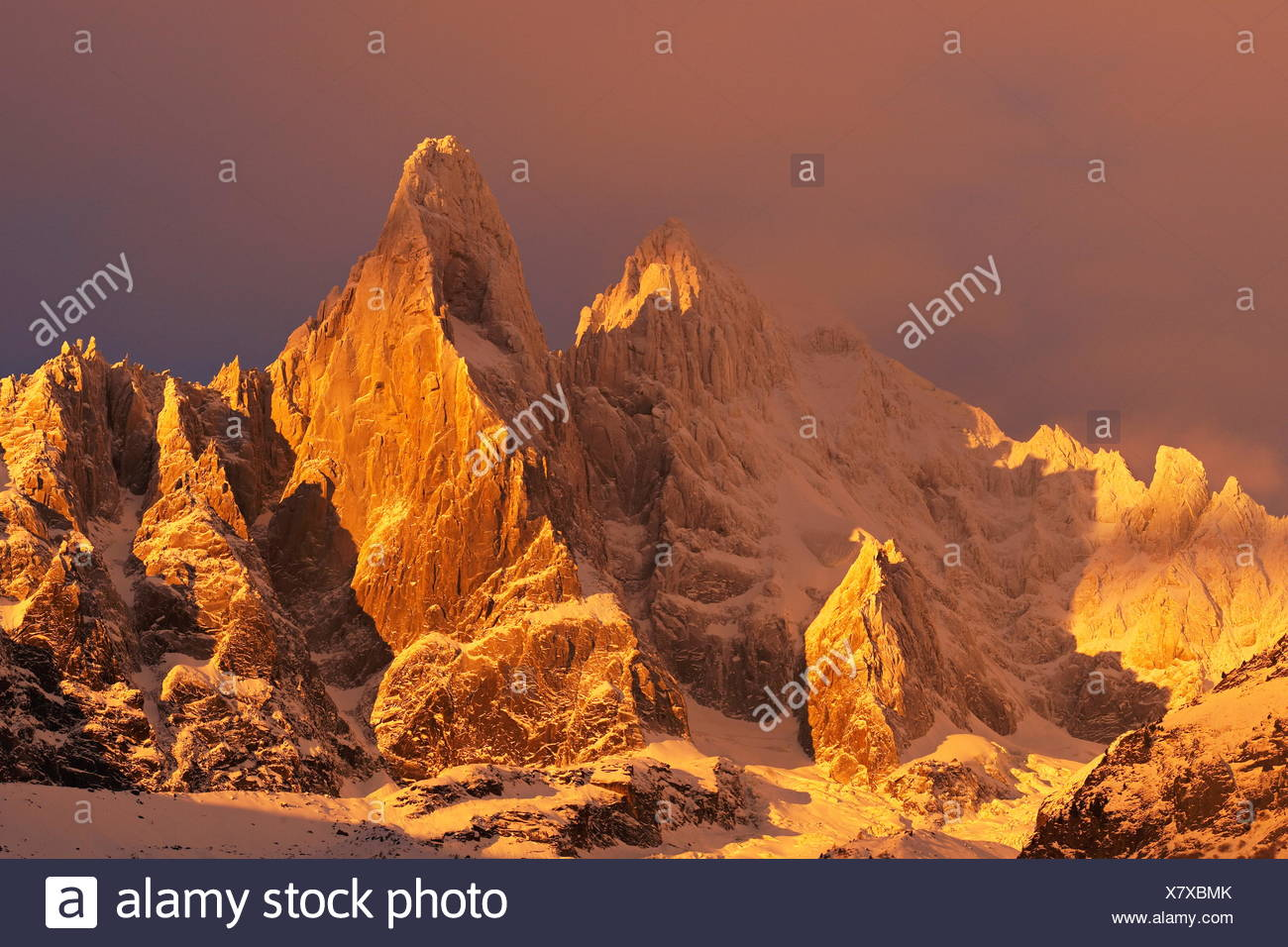 geography / travel, France, The aiguille du Dru (3754m) at sunrise, Mont-Blanc range, Chamonix, Additional-Rights-Clearance-Info-Not-Available - Stock Image