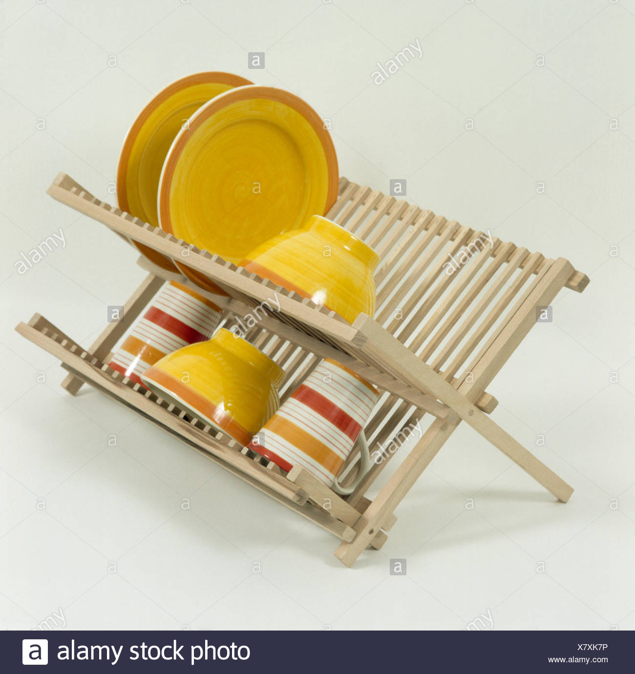 Plates Rack Stock Photos & Plates Rack Stock Images - Alamy