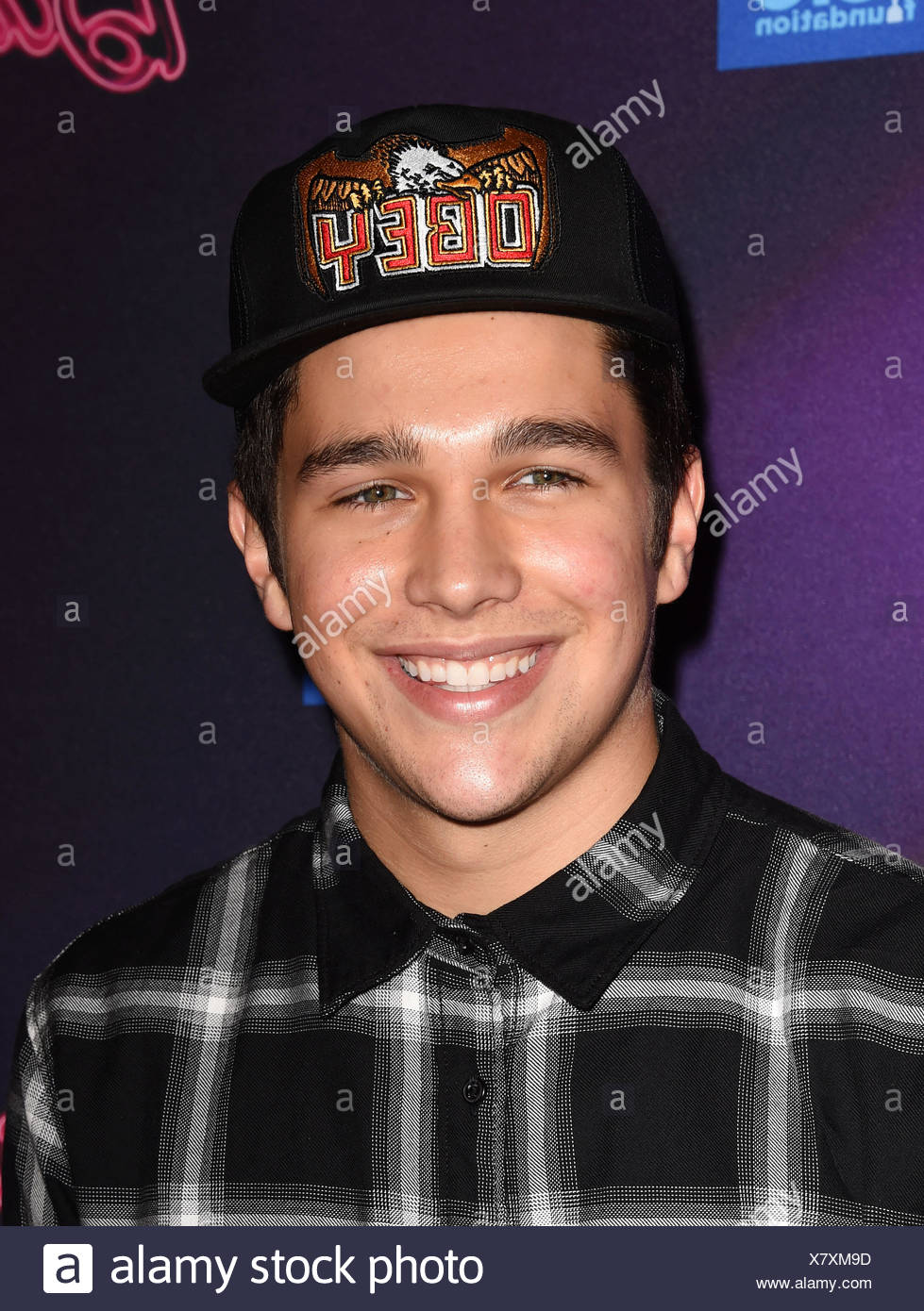 Musician Austin Mahone attends the Barbie Rock 'N Royals Concert Experience at the Hollywood Palladium on September 26, 2015 in Los Angeles, California., Additional-Rights-Clearances-NA - Stock Image