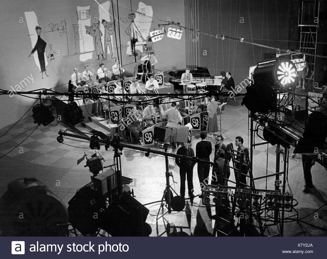 Lehn Erwin 8 6 1919 20 3 2010 German Musician And Bandleader Leader Of Southern Radio Dance Orchestra Swr Big Band 1951 1992 In The Television Studio South German Broadcasting Stuttgart Late 1950s Stock Photo Alamy