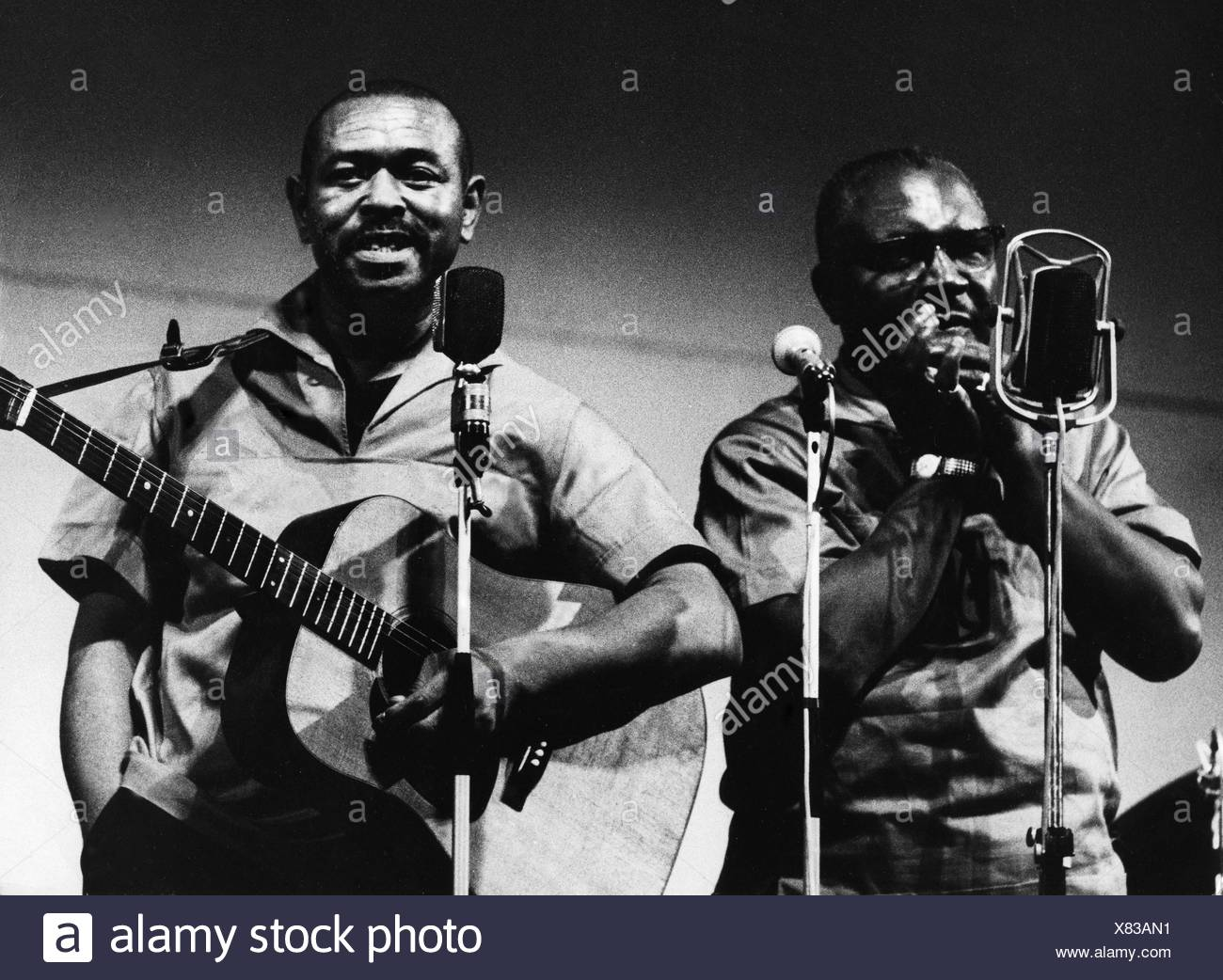McGhee, Walter Brown 'Brownie', 30.11 1915 - 16.2.1996, American musician and singer, with Sonny Terry, performance in Munich, 1960s, , Additional-Rights-Clearances-NA - Stock Image