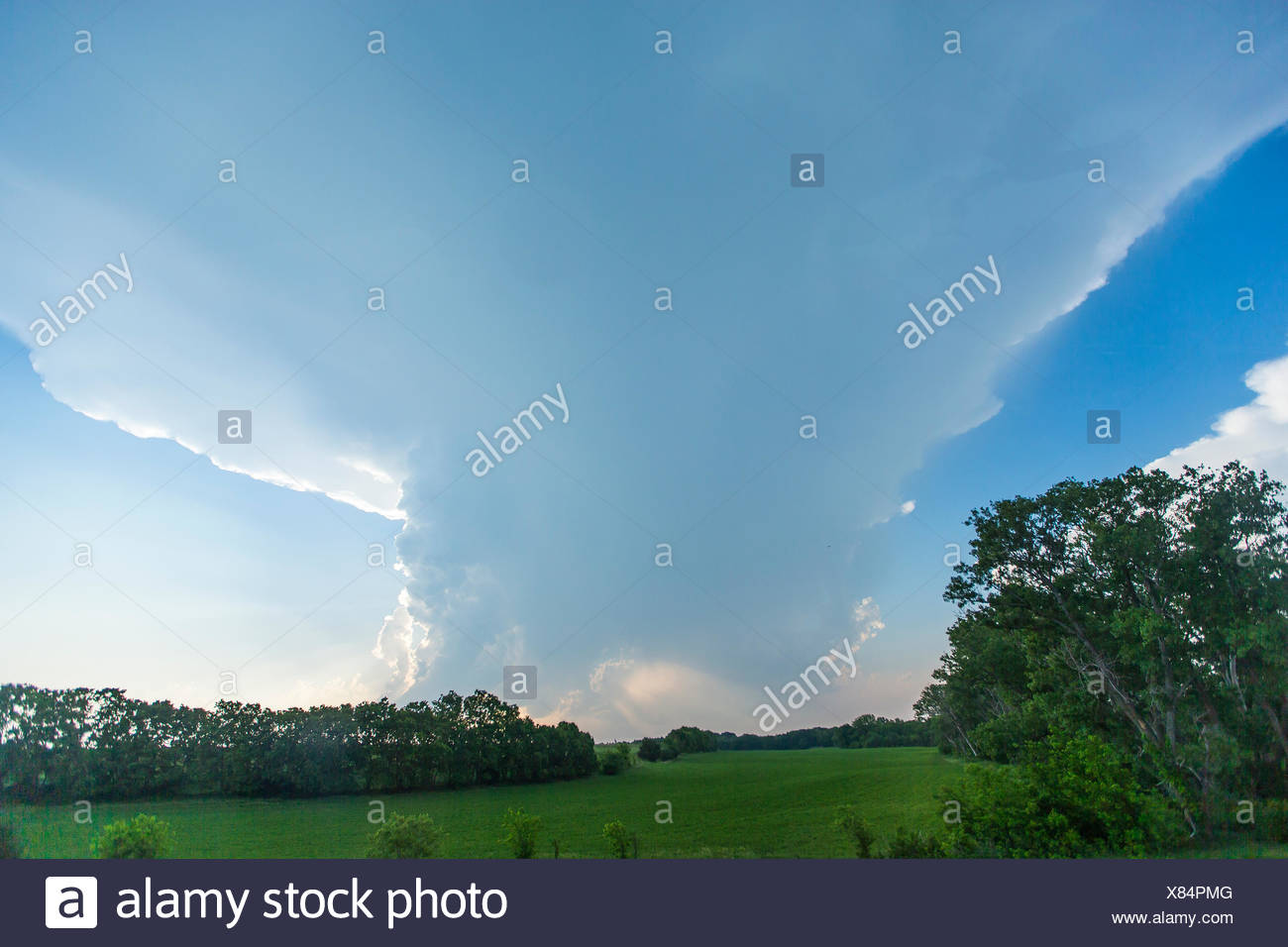 A developing low precipitation super cell thunderstorm in Tornado Alley. - Stock Image