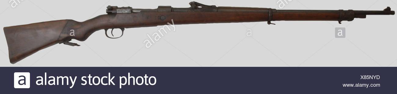 Armes à feu, Fusil G98 prise de guerre du Maquis, calibre 8 x 57, fabriqué à Danzig en 1916, fond de crosse refait artisanalement. Longueur 125 cm. Première catégorie. Erwerbsscheinpflichtig., , Additional-Rights-Clearances-NA - Stock Image