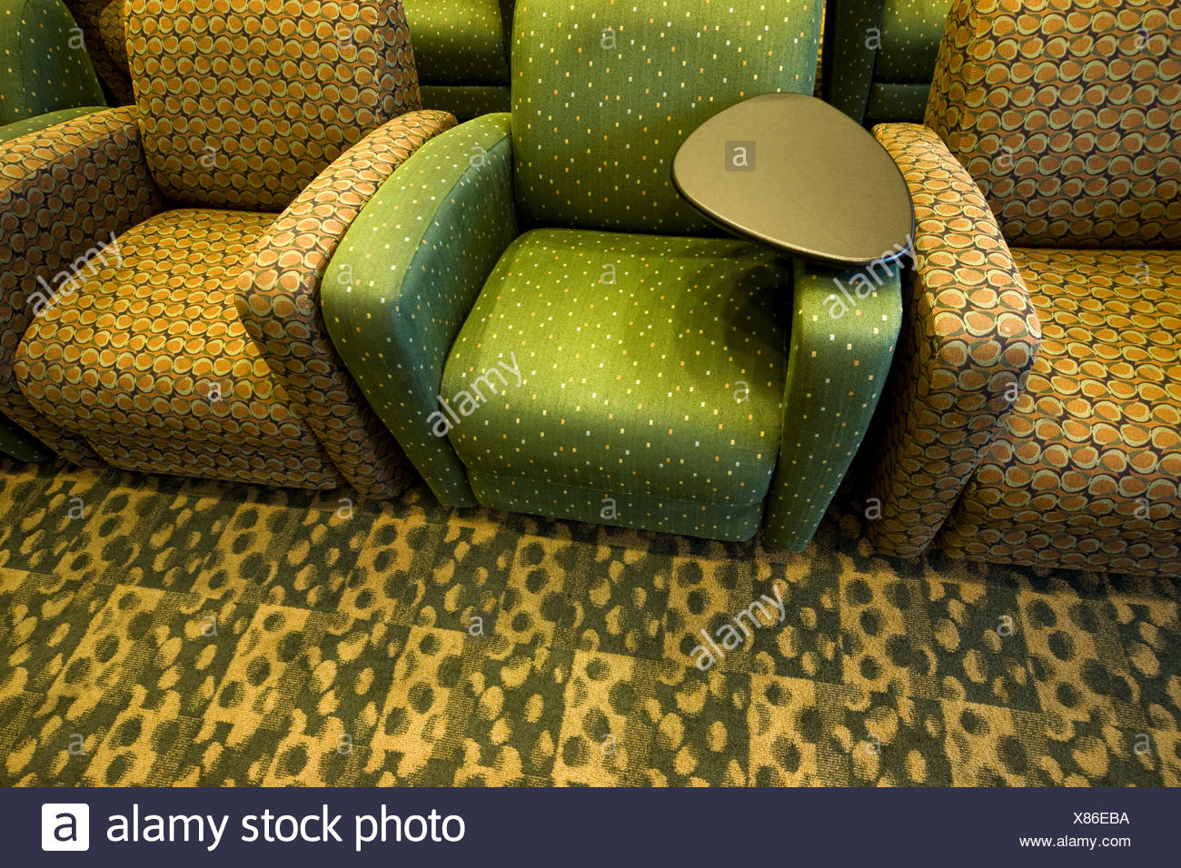 Incroyable Empty Chairs In A College Student Lounge Stock Photo ...