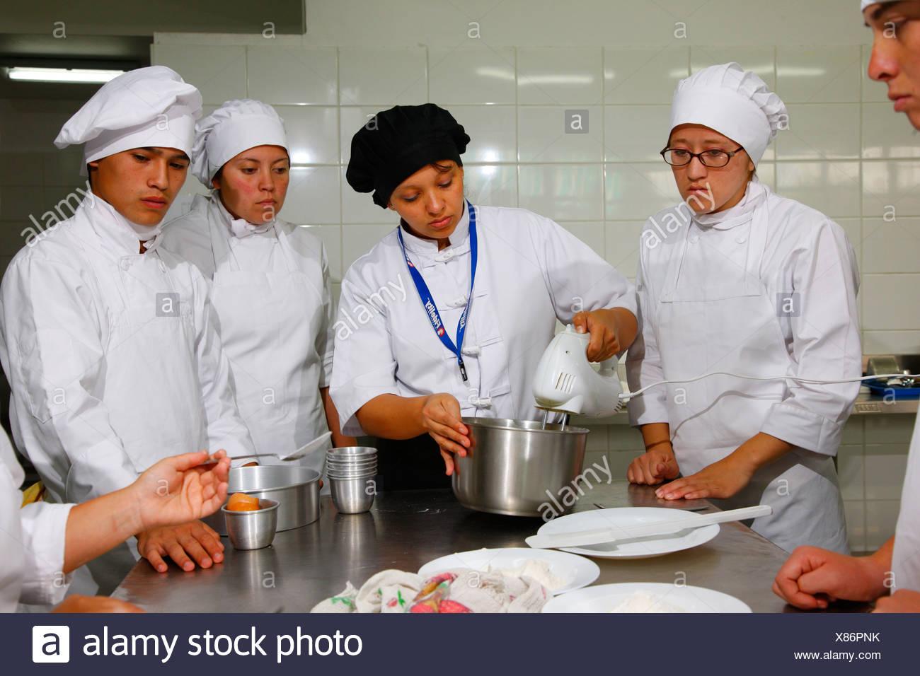 Young people, apprenticeship as a cook and baker, Fundación Cristo Vive, Santiago de Chile, Chile, South America - Stock Image