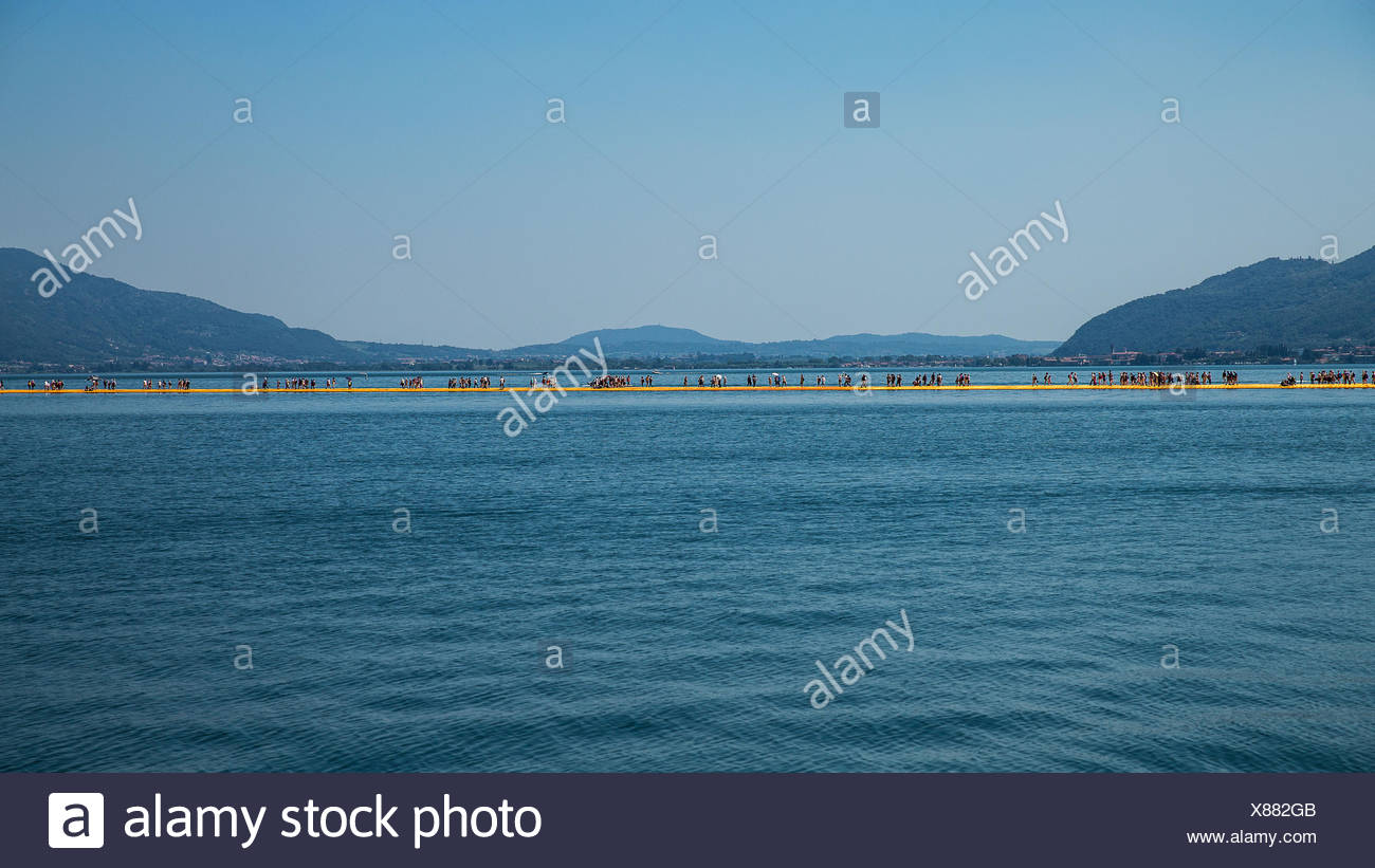 Lago d'Iseo, Floating pier - Stock Image