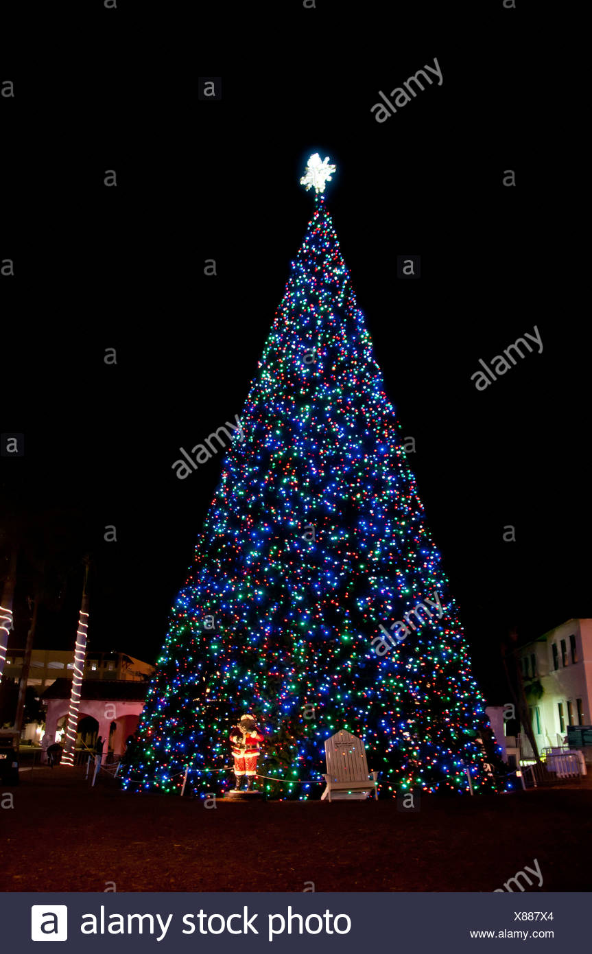 Christmas lighting delray beach USA Florida tree night - Stock & Delray Beach Christmas Tree Stock Photos u0026 Delray Beach Christmas ...