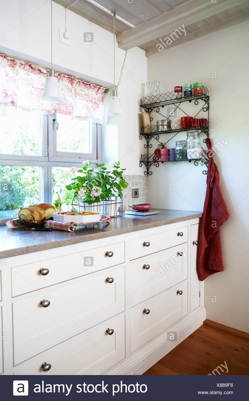 Kitchen Drawers Stock Photos & Kitchen Drawers Stock Images - Alamy