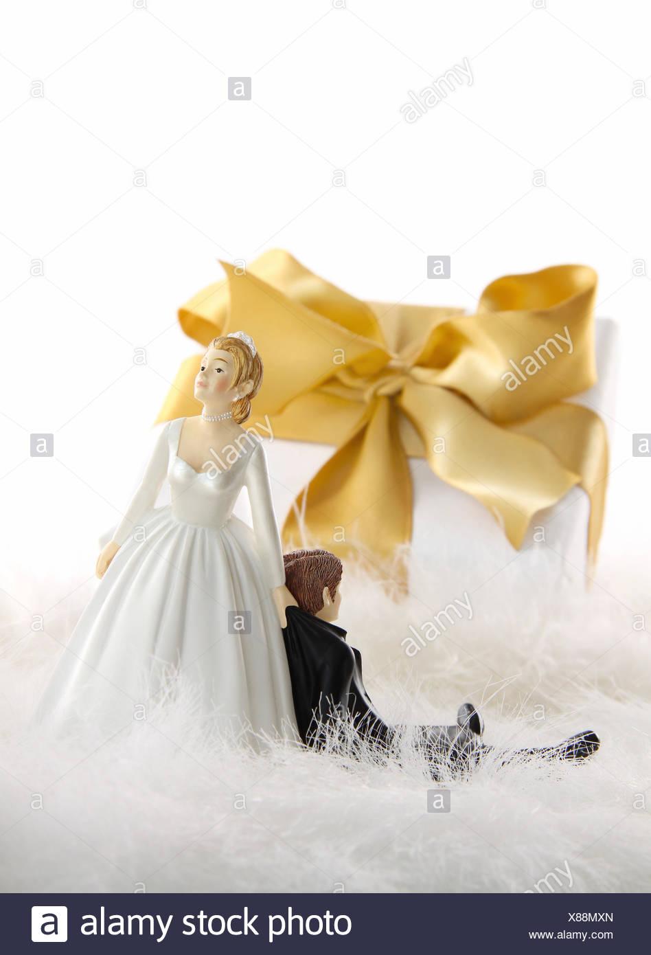 Wedding Cake Figures Stock Photos & Wedding Cake Figures Stock ...