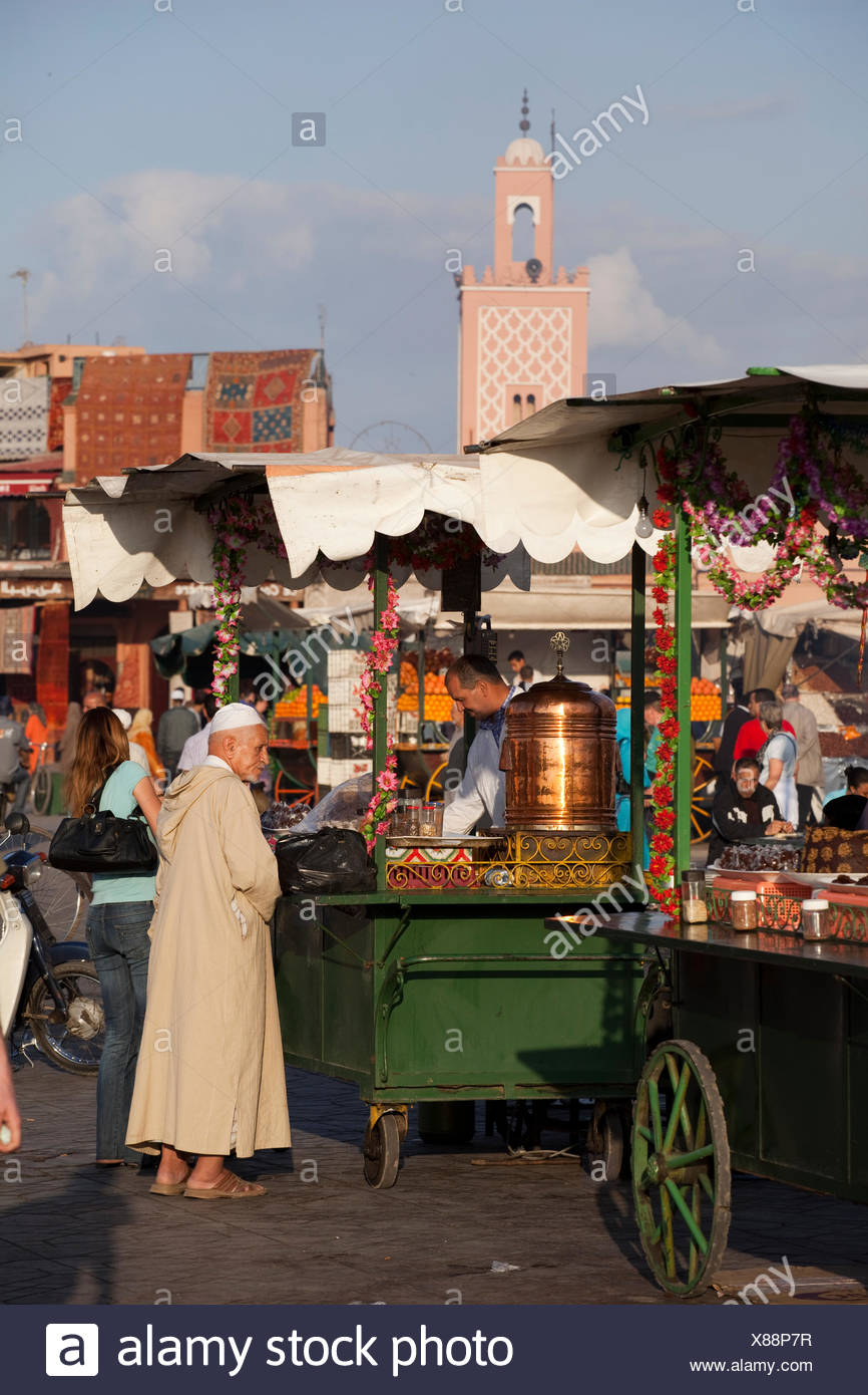 Tea vendor, Djemaa El Fna, central square and market place, Marrakech, Morocco, Africa - Stock Image