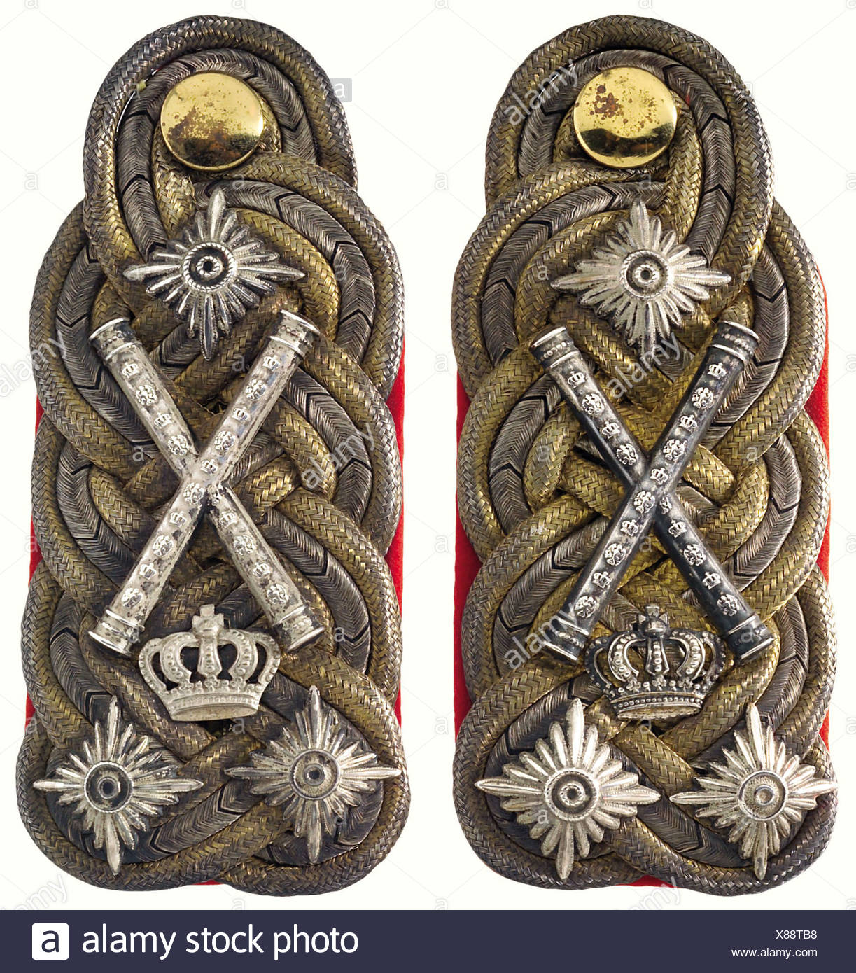 Baden: A pair of shoulder boards, worn by Grand Duke Friedrich I in his capacity as regimental proprietor of the 1st Baden Life Dragoon Regiment No. 20. Insignia of a full general holding the rank of field marshal, worn from 1856 to 1907. Red background, three rank stars, crossed field marshal's batons and a crown. No moth damage. historic, historical, 1900s, 20th century, 19th century, uniform, uniforms, object, objects, stills, clipping, clippings, cut out, cut-out, cut-outs, Additional-Rights-Clearances-NA - Stock Image