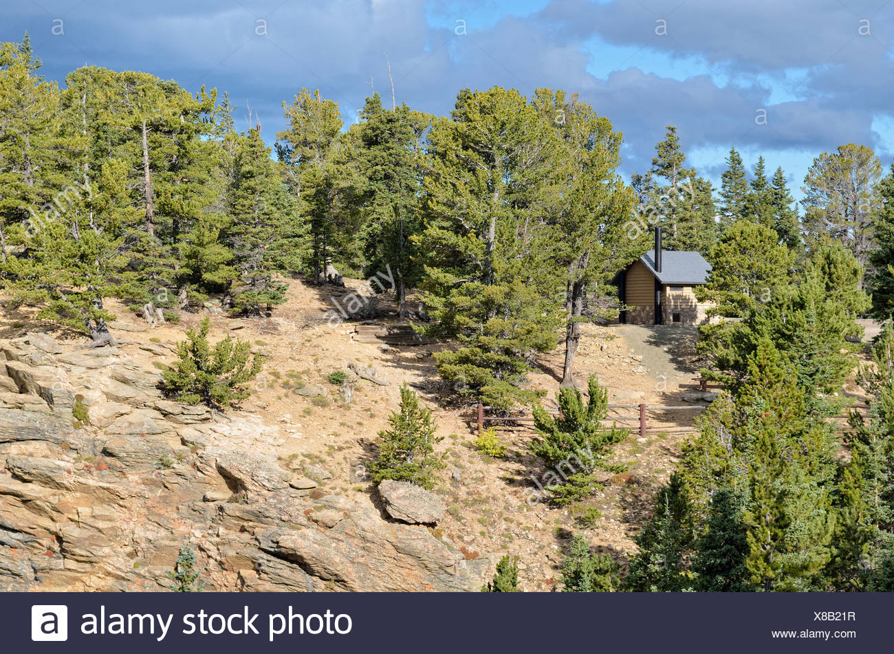 Toilet hut at Juniper Pass, State Road 103, Mount Evans Wilderness Arapaho National Forest, Idaho Springs, Colorado, USA - Stock Image