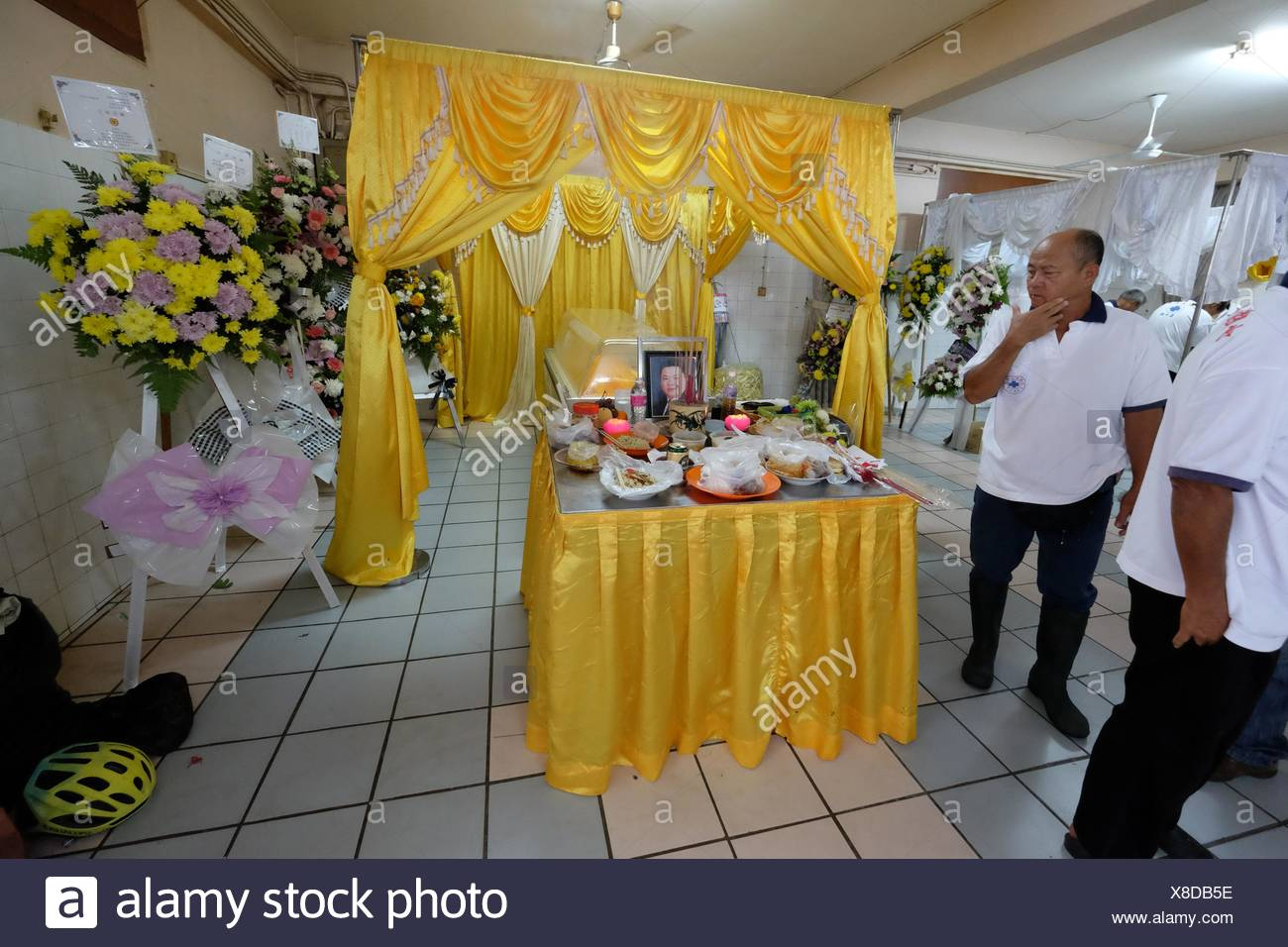 Chinese funeral stock photos chinese funeral stock images alamy sarawakian chinese funeral ceremony malaysia stock image izmirmasajfo