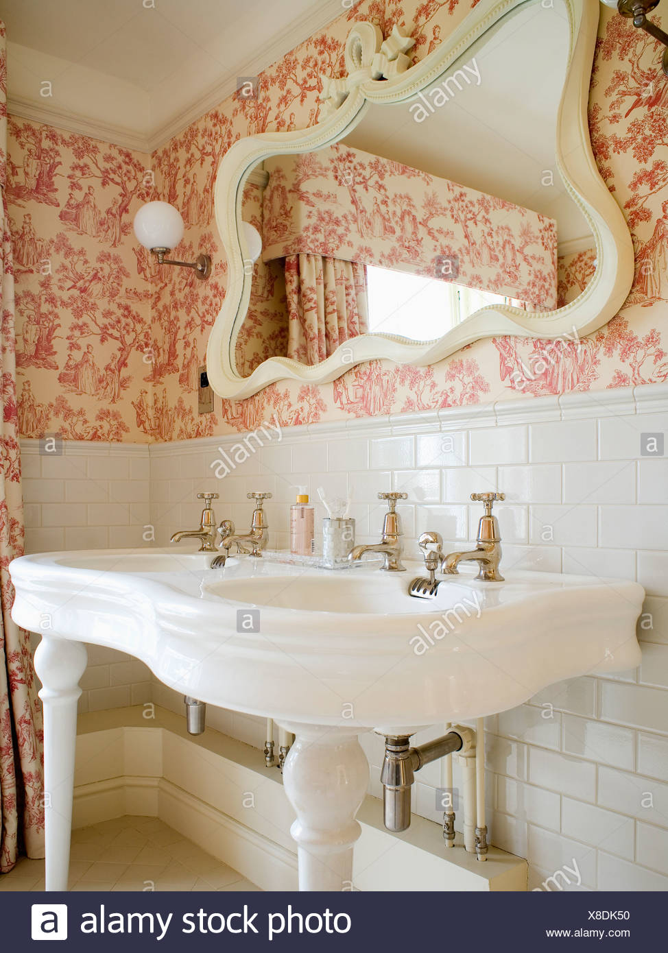 Foto Bagni Stile Country country style bathrooms high resolution stock photography