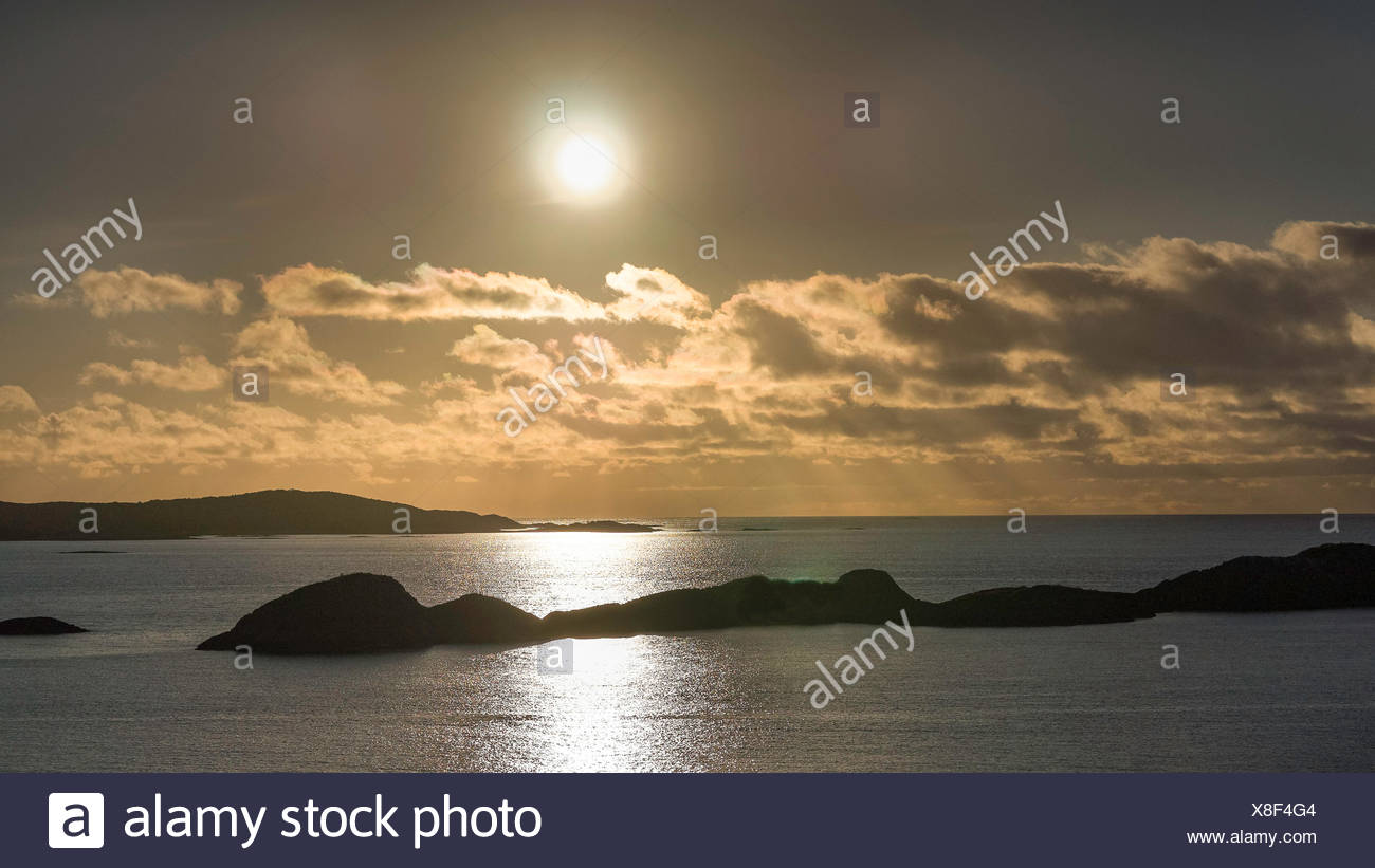 Mountain, Hamn i Senja, horizon, island, isle, coast, scenery, landscape, light, sea, midnight sun, nature, North Sea, Norway, Eu - Stock Image