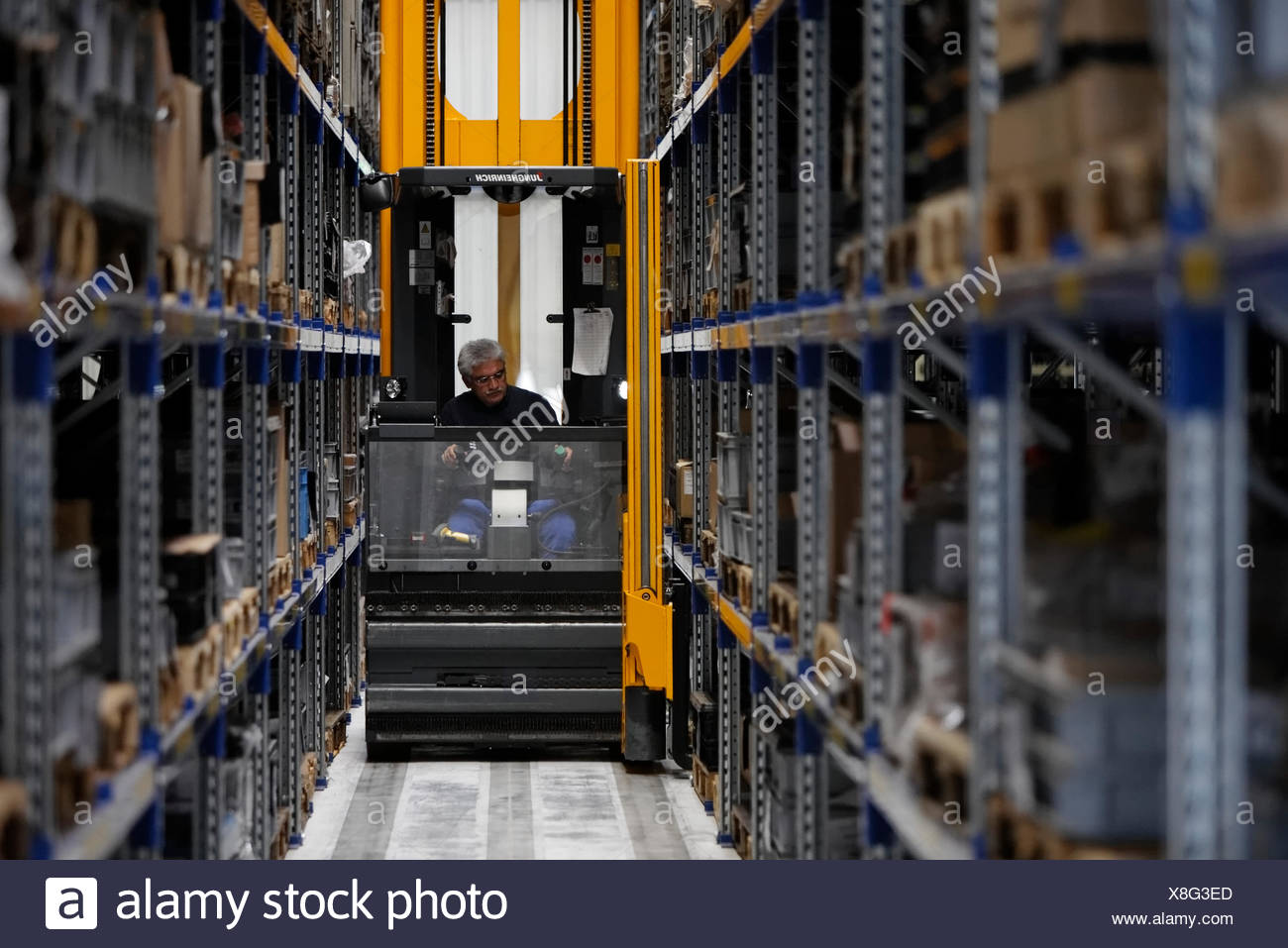 Computer Stores Stock Photos & Computer Stores Stock Images - Alamy