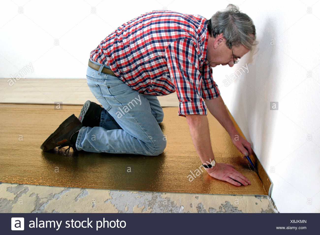 Lay flooring stock photos lay flooring stock images alamy living space floor craftsman stalls lay floor bar attach man 55 solutioingenieria Gallery