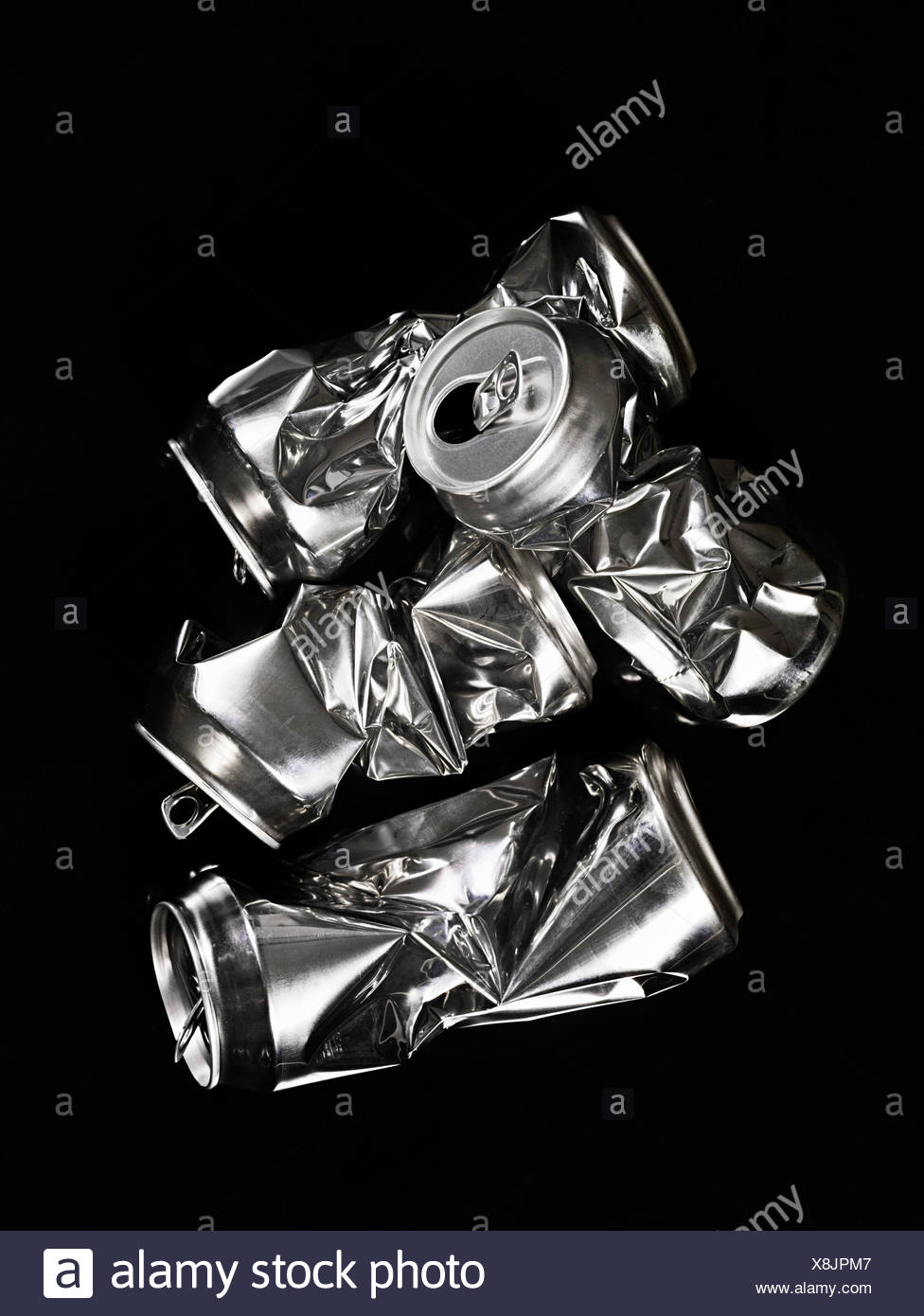 Crumpled aluminium cans - Stock Image