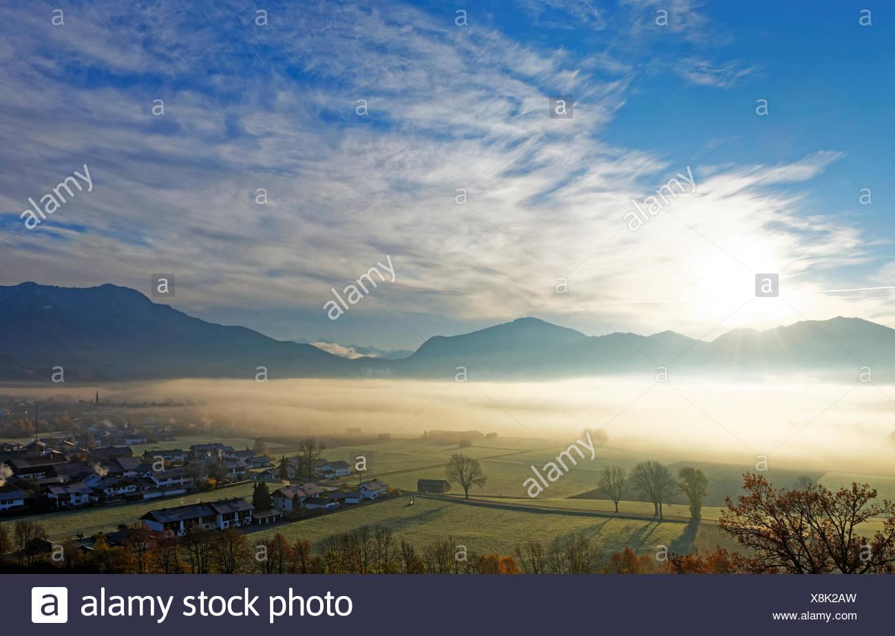 Morgenstimmung Ÿber Loisachtal bei Gro§weil, Blaues Land, Oberbayern, Bayern, Deutschland, Stock Photo
