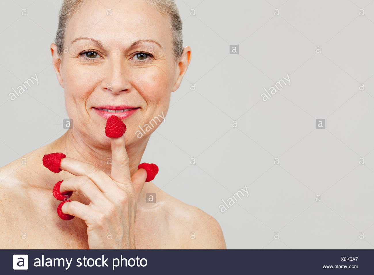 Matchless mature woman eats young woman