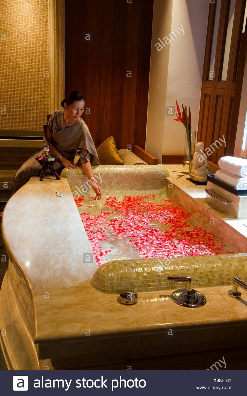 Spa ´Ayurvedic Penthouse´ Decoration with flowers Mandarin Oriental ...