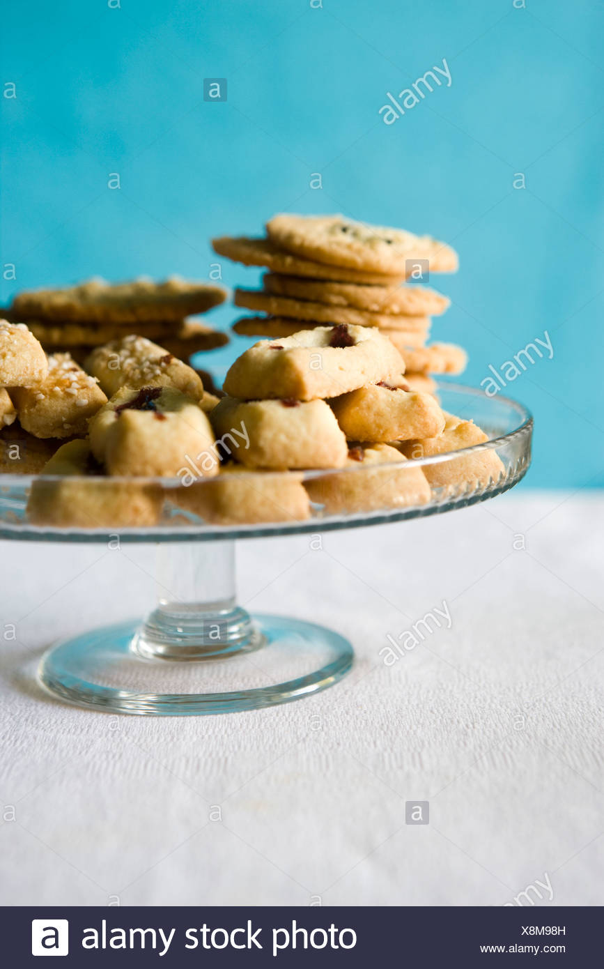 Swedish cookies, finska pinnar, syltgrotta (jam shortbread cookies) and korintkaka (raisin cookies) - Stock Image