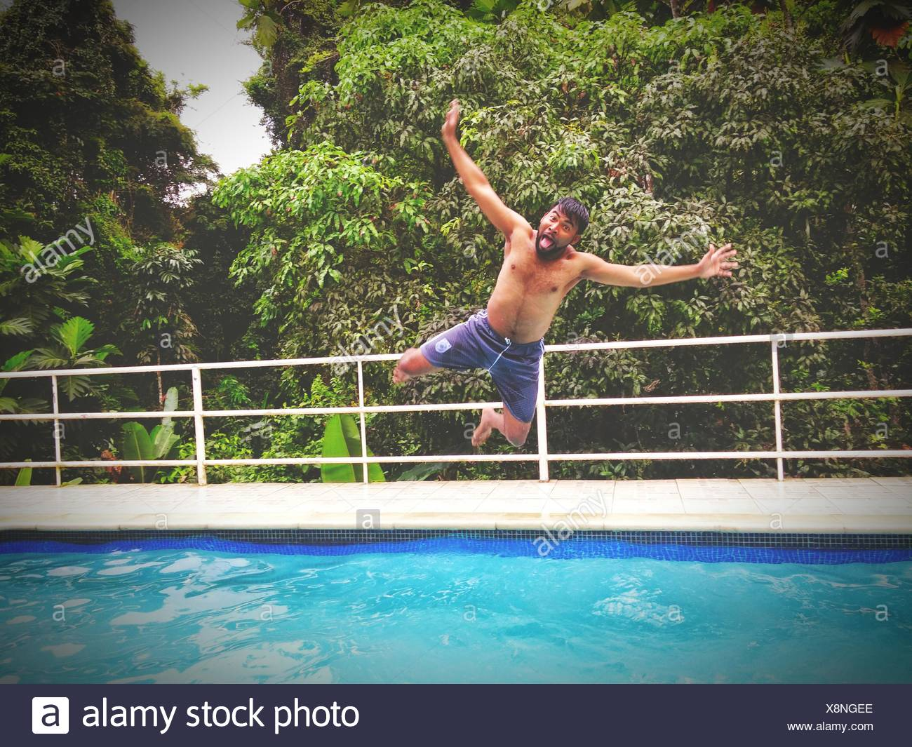 Diving Into Pool Stock Photos Diving Into Pool Stock Images Alamy