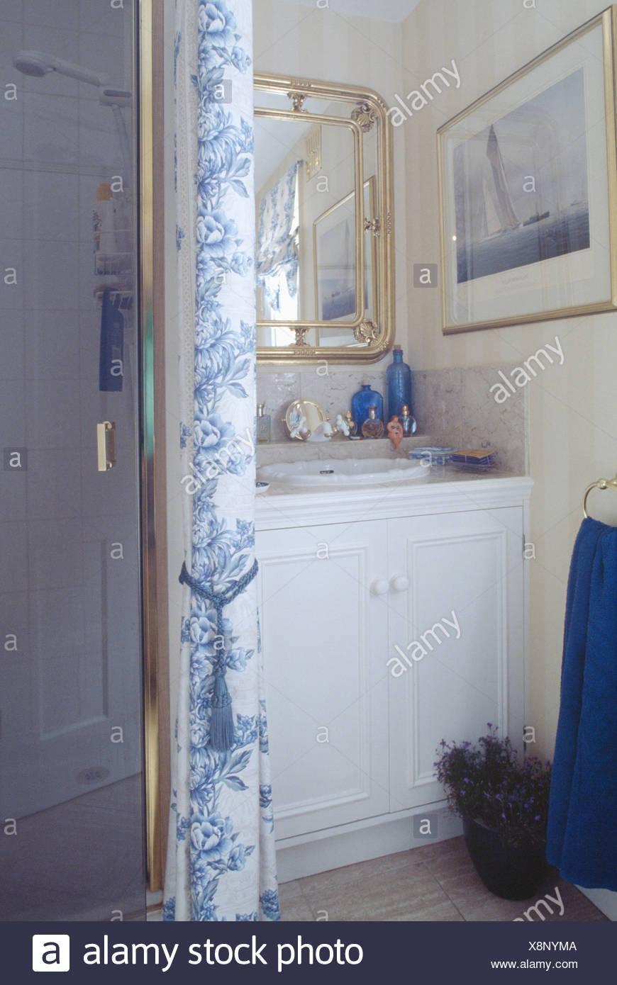 Shower Basin Unit Vanity Stock Photos & Shower Basin Unit Vanity ...
